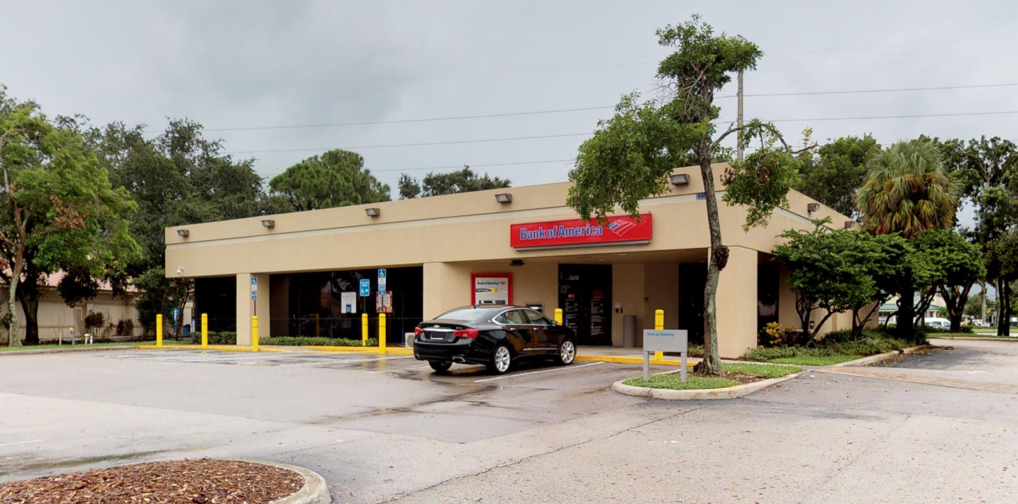 Bank of America financial center with drive-thru ATM | 6360 Lantana Rd, Lake Worth, FL 33463