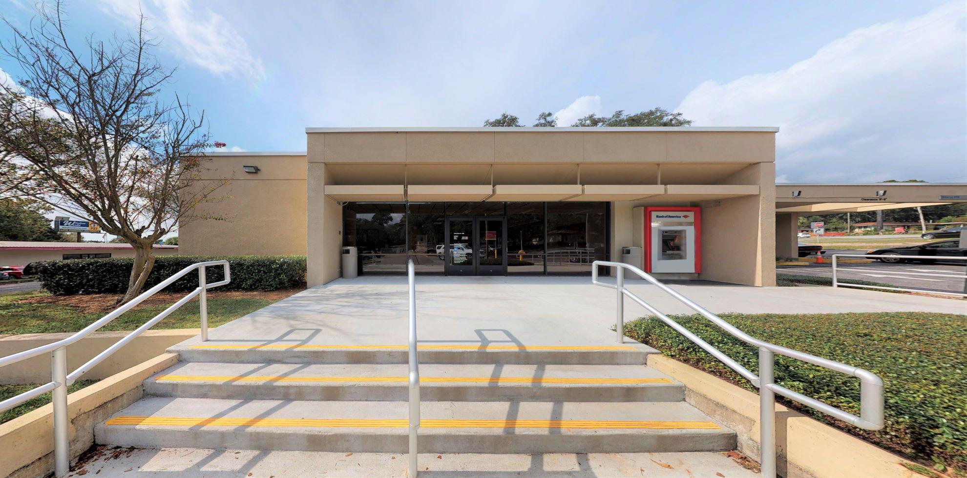 Bank of America financial center with drive-thru ATM | 206 N New Warrington Rd, Pensacola, FL 32506