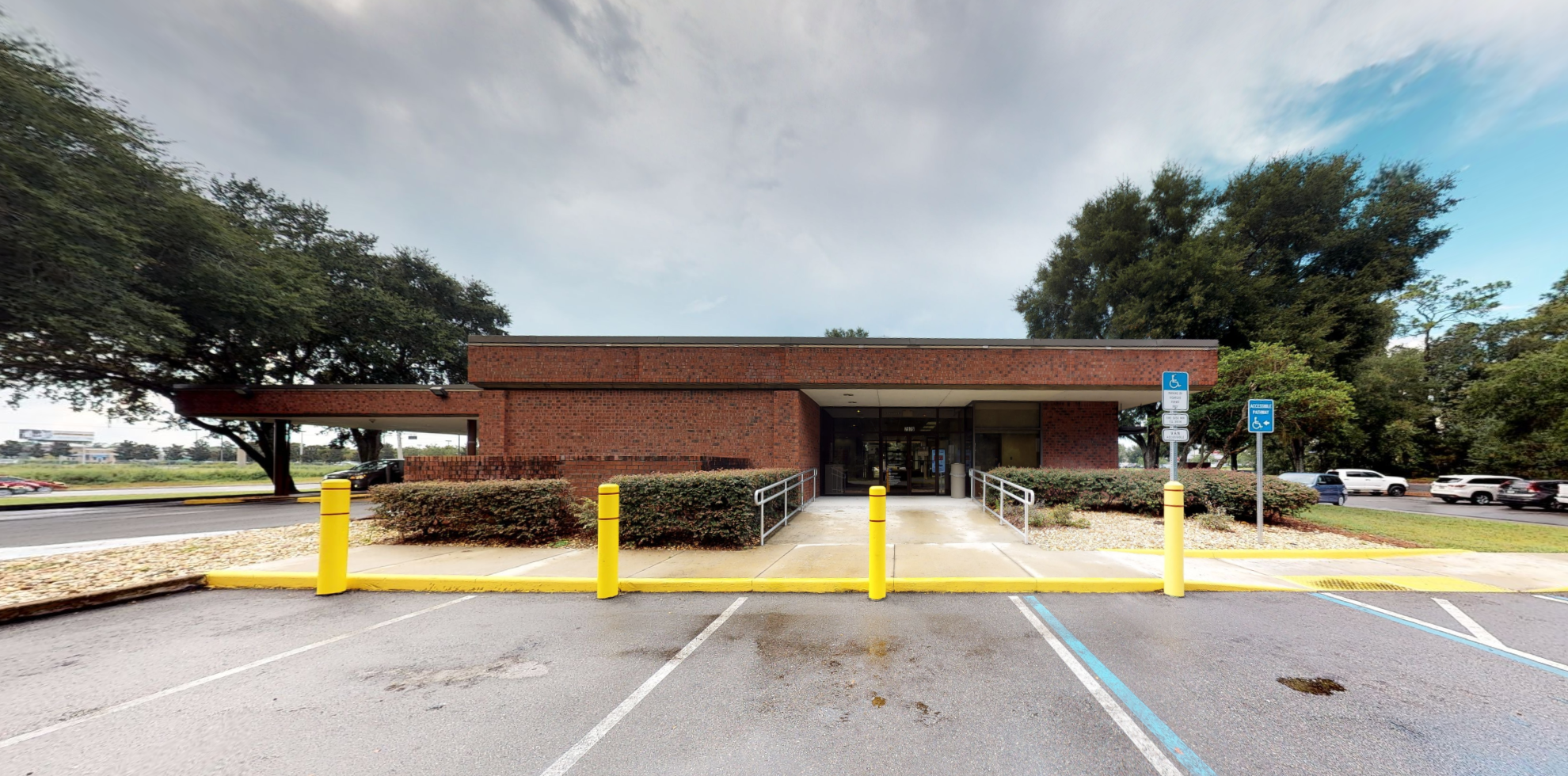 Bank of America financial center with drive-thru ATM and teller | 7975 SW State Rd 200, Ocala, FL 34476