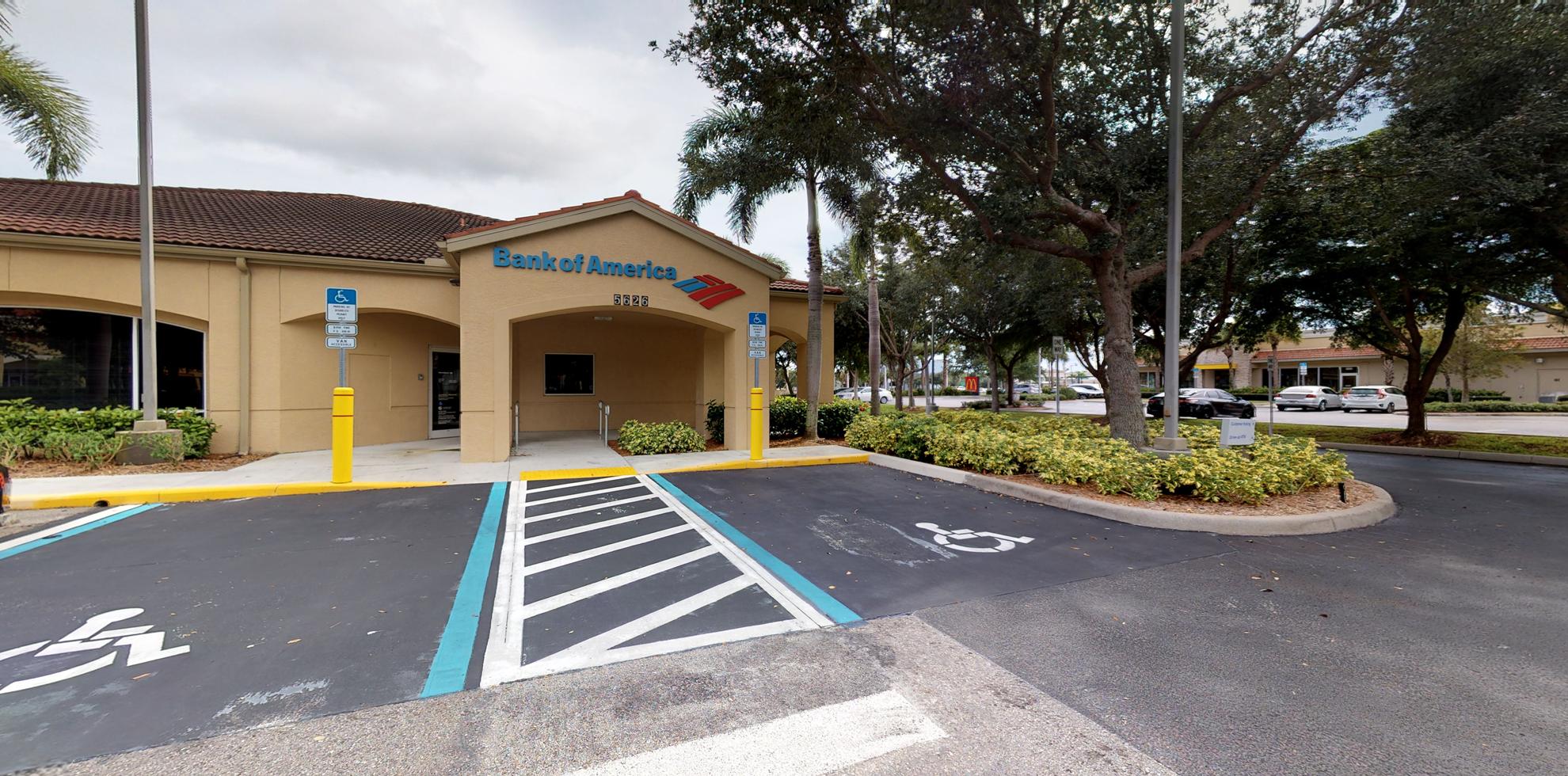 Bank of America financial center with drive-thru ATM | 5626 Tavilla Cir, Naples, FL 34110