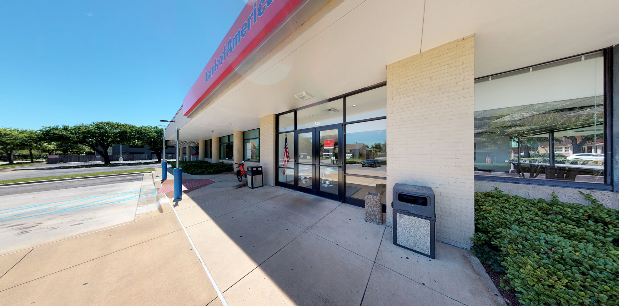 Bank of America financial center with drive-thru ATM | 6215 Gaston Ave, Dallas, TX 75214