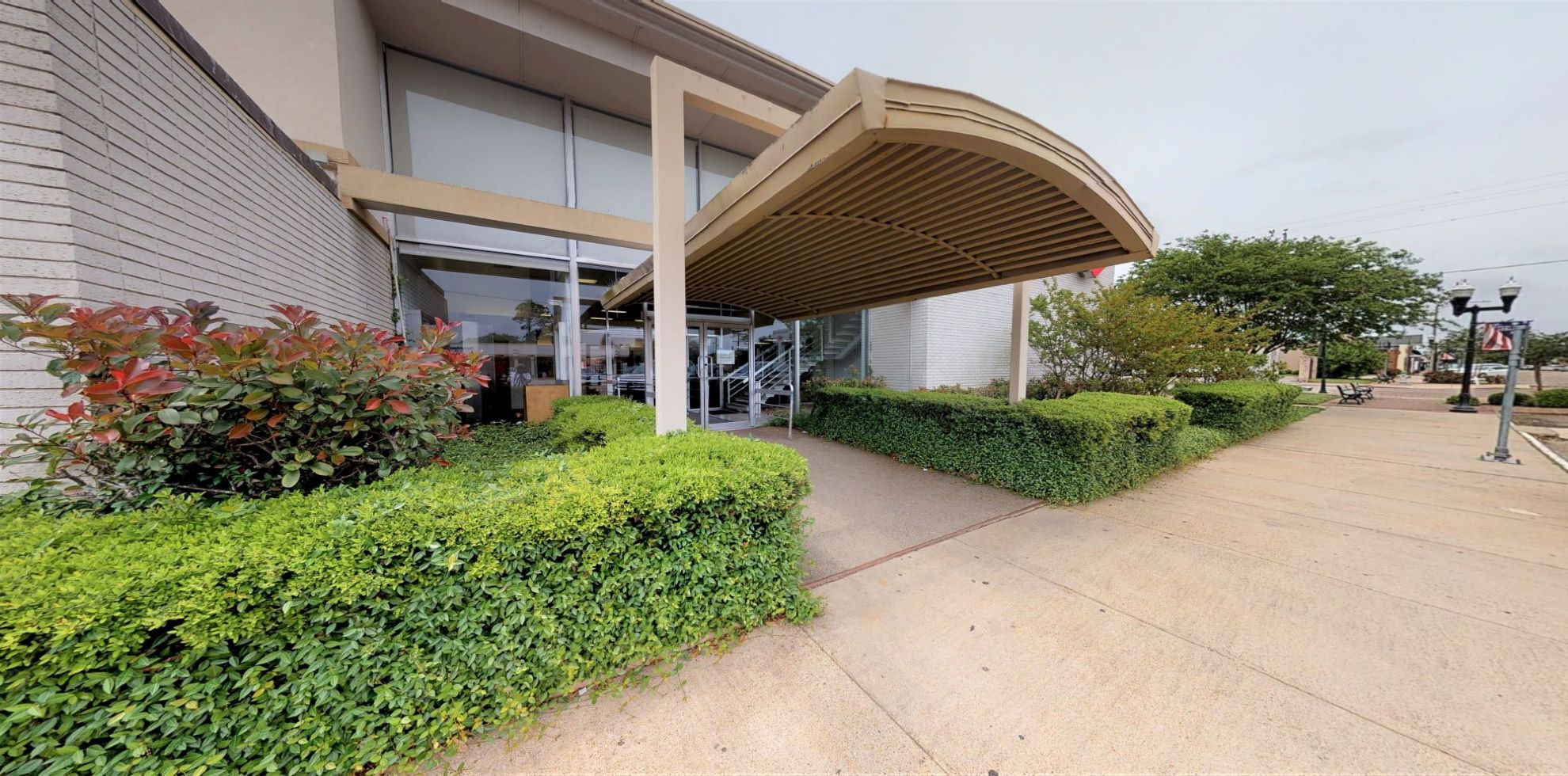 Bank of America financial center with walk-up ATM | 1308 Boston Ave, Nederland, TX 77627