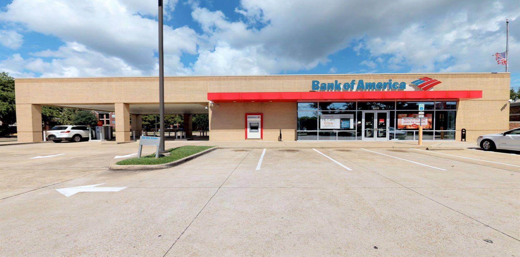 Bank of America financial center with drive-thru ATM | 6414 San Felipe St, Houston, TX 77057