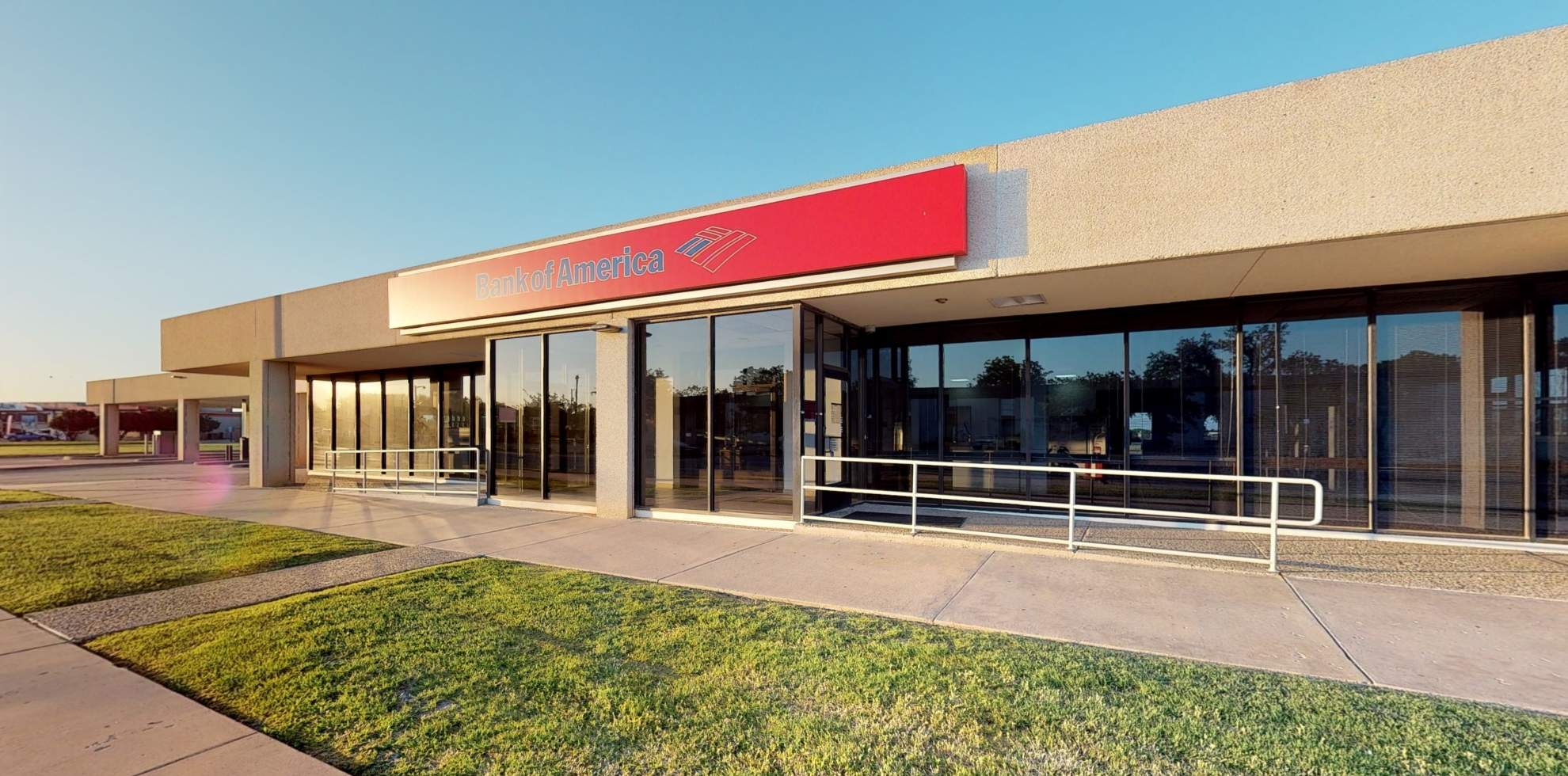 Bank of America financial center with drive-thru ATM   2200 S 27th St, Abilene, TX 79605