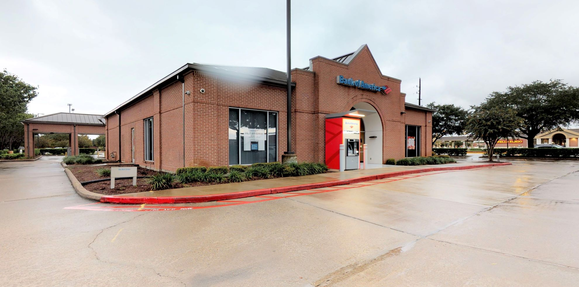 Bank of America financial center with drive-thru ATM | 4710 Highway 6, Sugar Land, TX 77479
