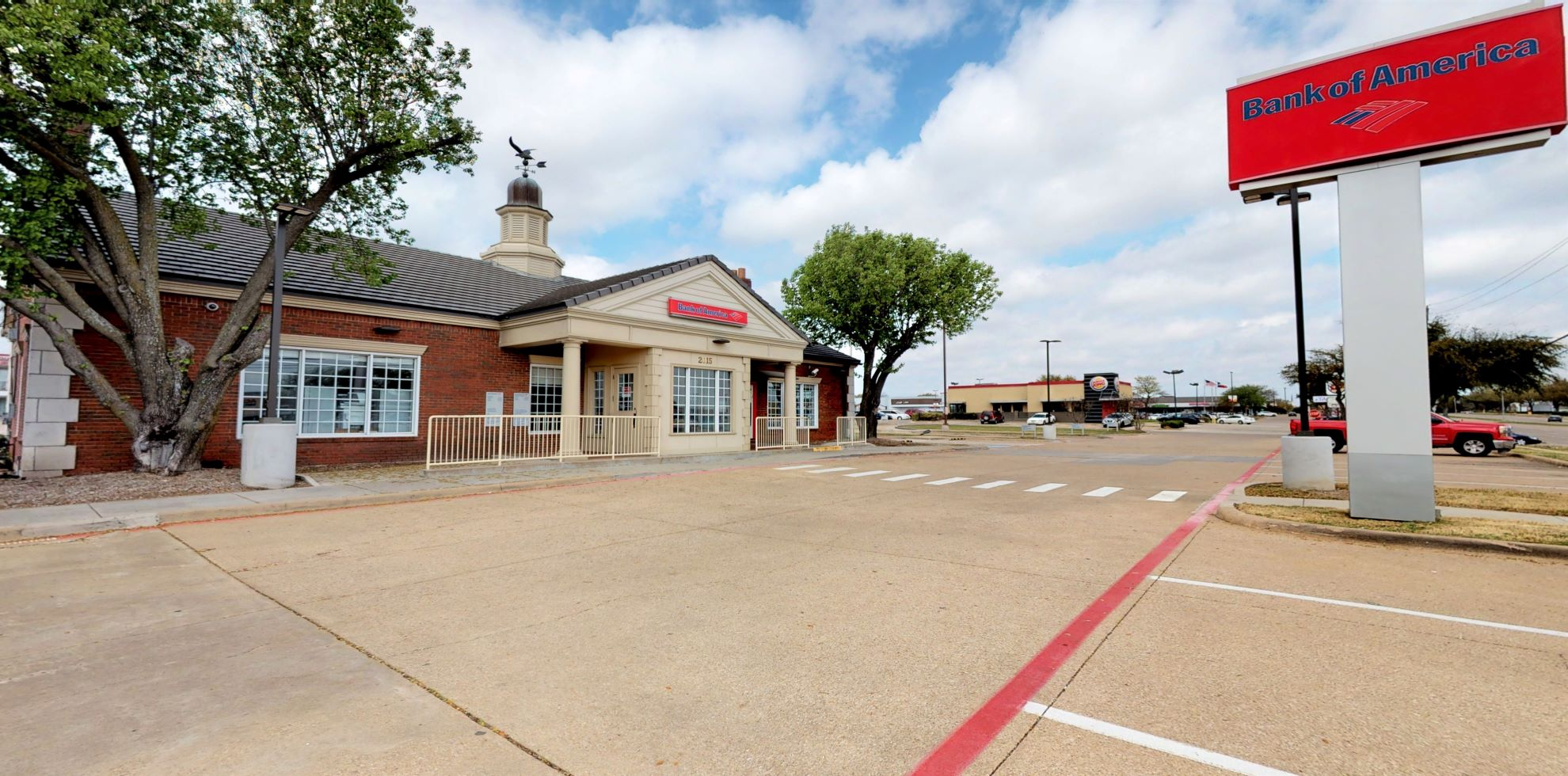 Bank of America financial center with drive-thru ATM | 2015 Coit Rd, Plano, TX 75075