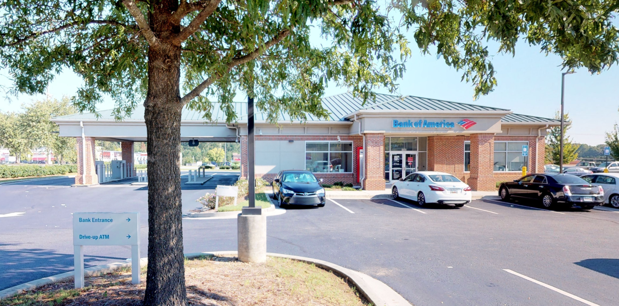 Bank of America financial center with drive-thru ATM   4900 Jimmy Lee Smith Pkwy, Hiram, GA 30141
