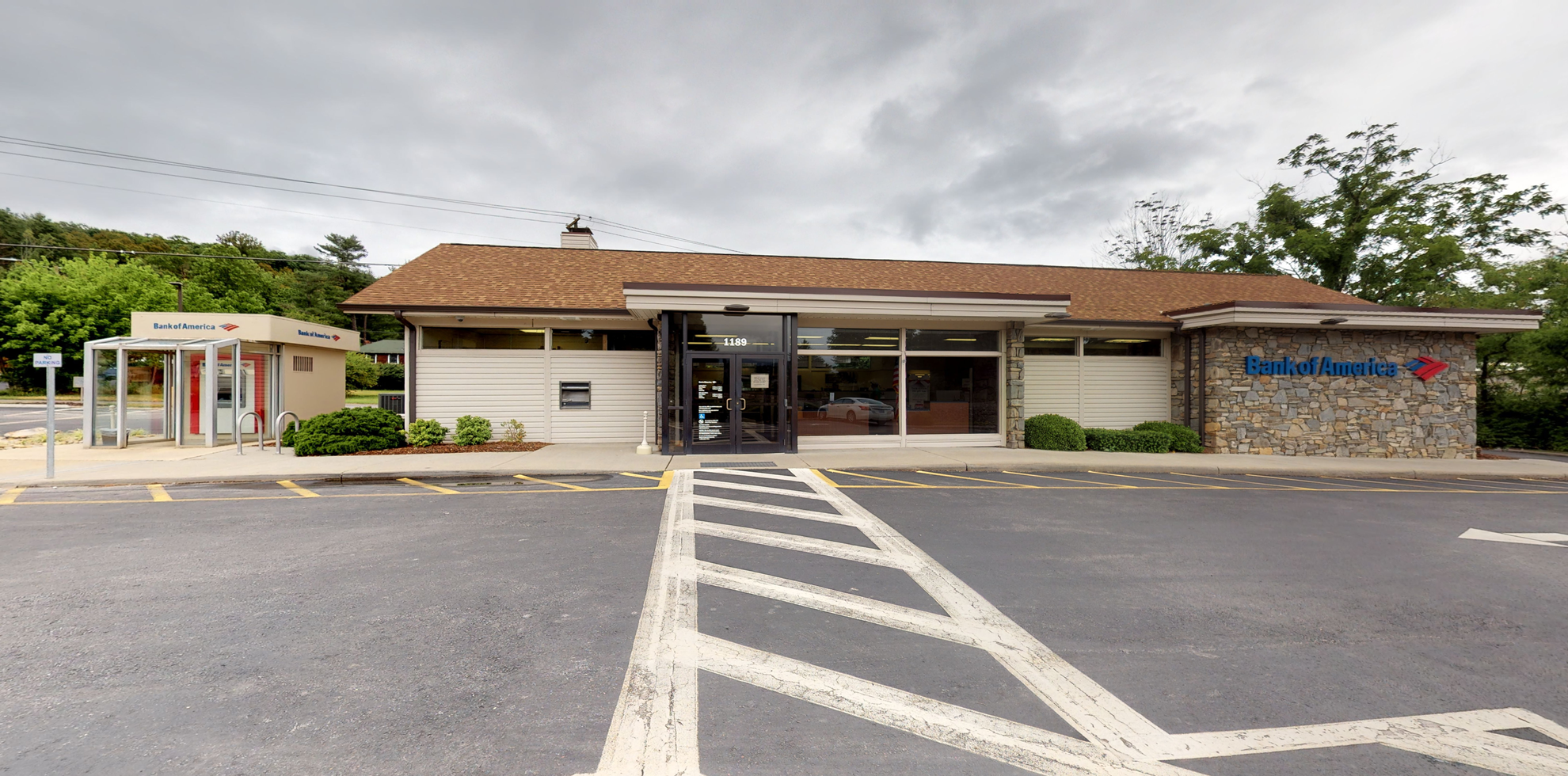 Bank of America financial center with drive-thru ATM and teller | 1189 Smoky Park Hwy, Candler, NC 28715