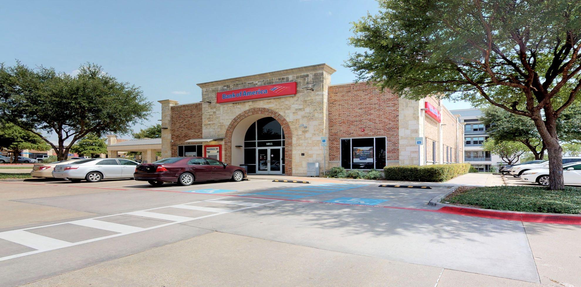 Bank of America financial center with drive-thru ATM | 1011 W McDermott Dr, Allen, TX 75013