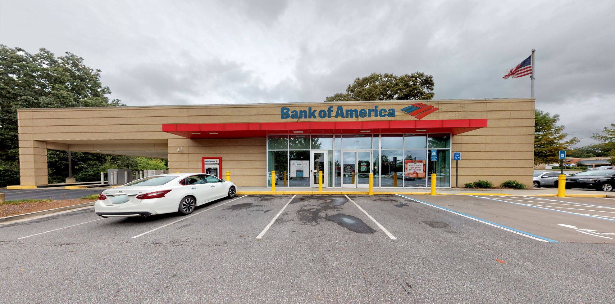 Bank of America financial center with drive-thru ATM | 2465 Roswell Rd, Marietta, GA 30062