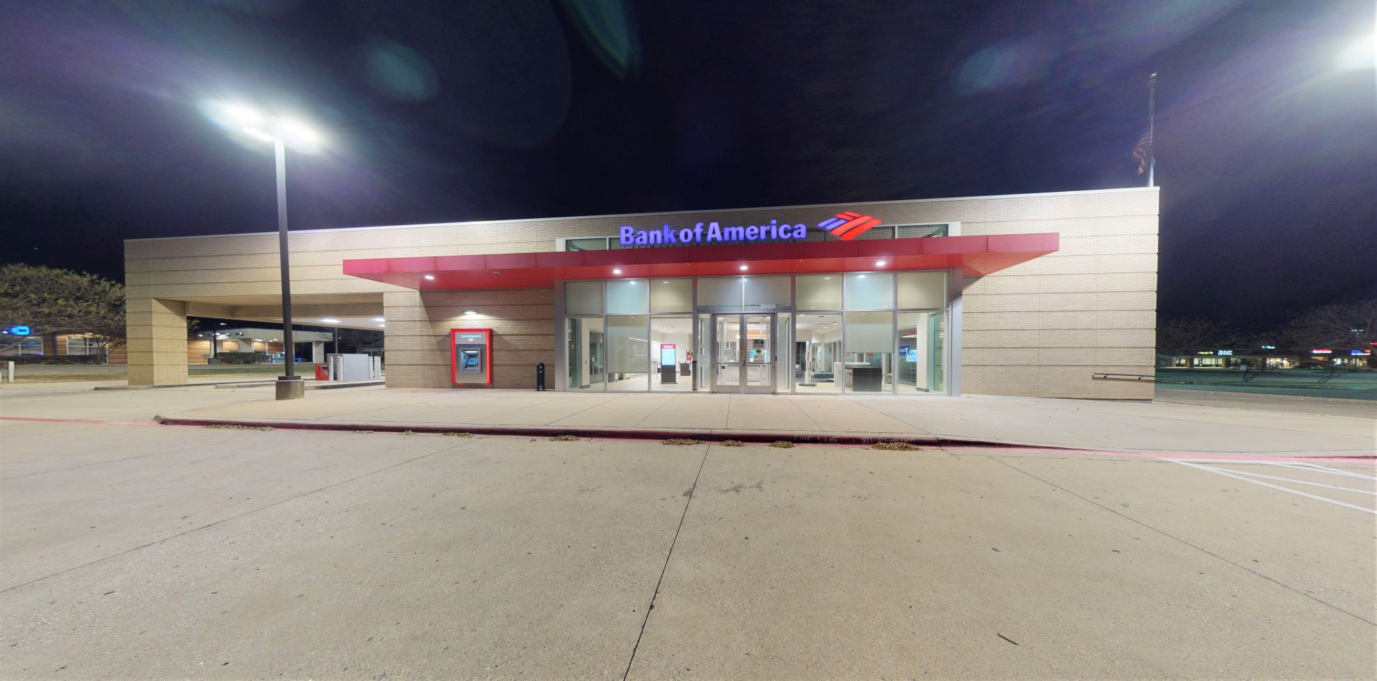 Bank of America financial center with drive-thru ATM and teller | 3908 Glade Rd, Colleyville, TX 76034