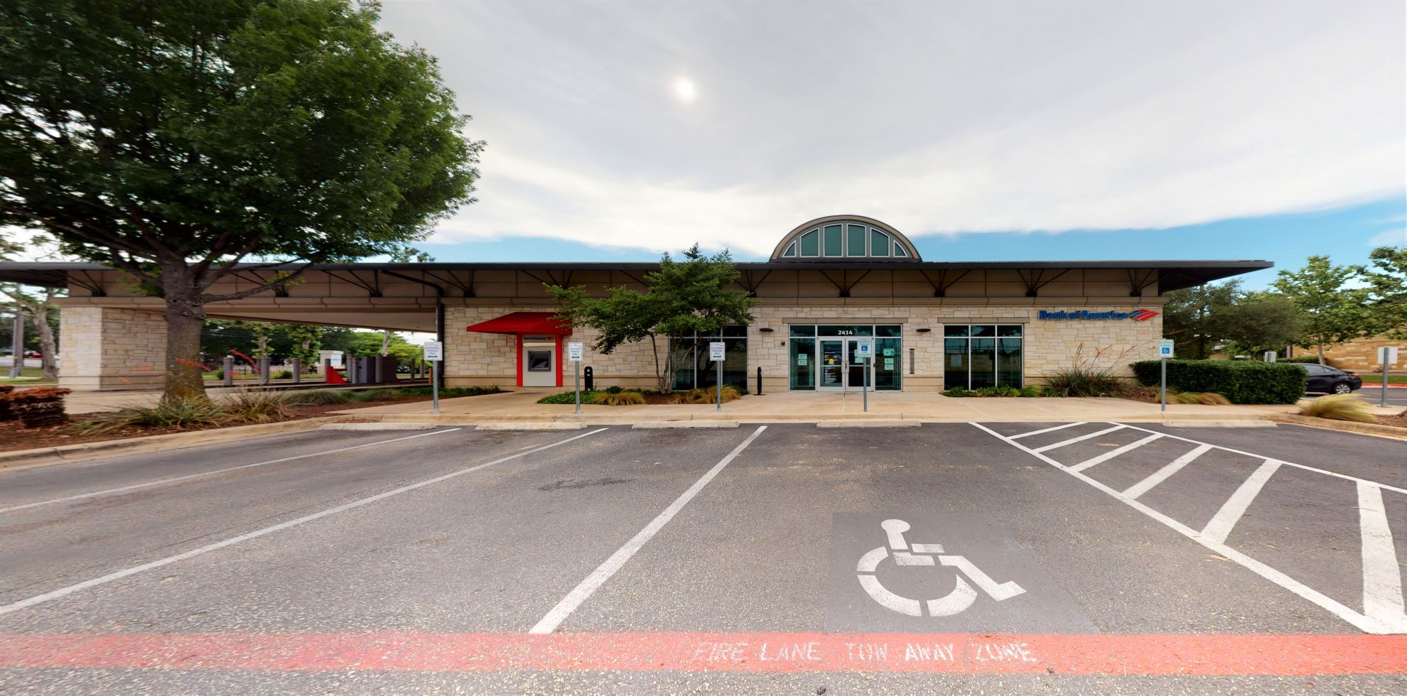 Bank of America financial center with drive-thru ATM | 2414 Ranch Rd 620 S, Lakeway, TX 78738