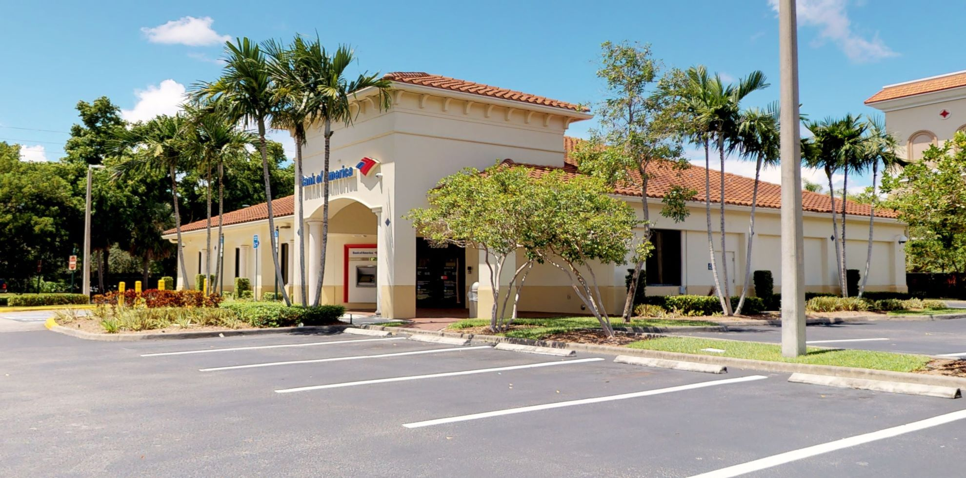 Bank of America financial center with drive-thru ATM | 15999 SW 29th St, Hollywood, FL 33027