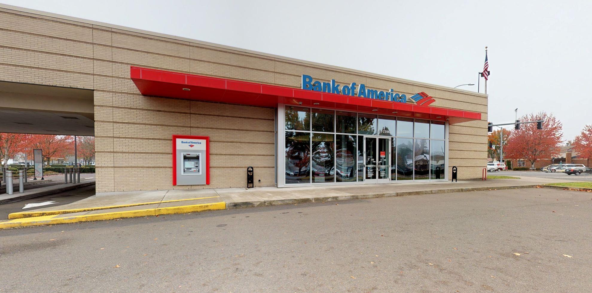 Bank of America financial center with drive-thru ATM | 15961 SW Tualatin Sherwood Rd, Sherwood, OR 97140