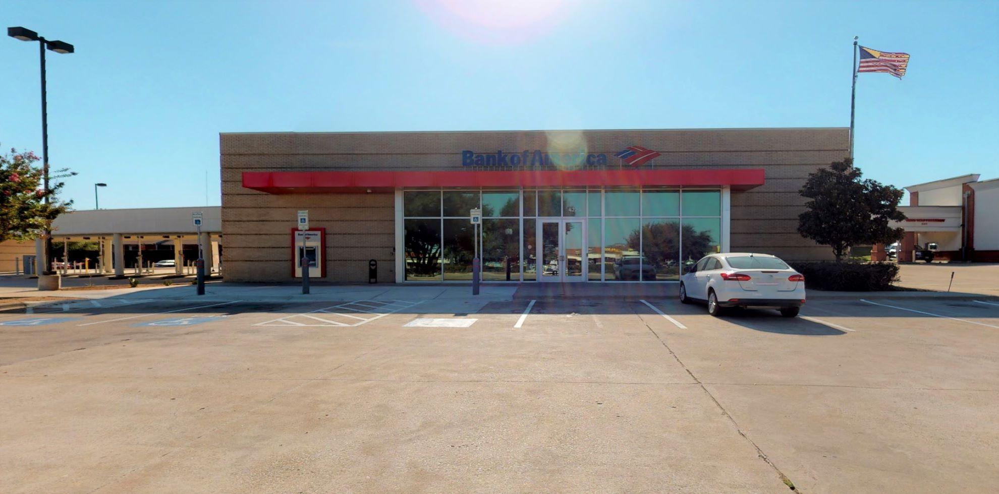Bank of America financial center with drive-thru ATM and teller   4220 W Green Oaks Blvd, Arlington, TX 76016