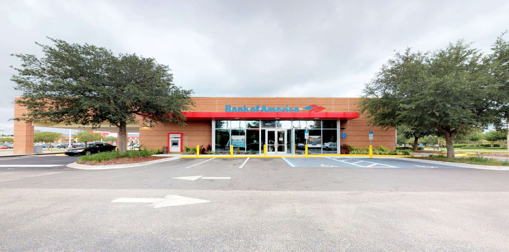 Bank of America financial center with drive-thru ATM   10925 Baymeadows Rd, Jacksonville, FL 32256