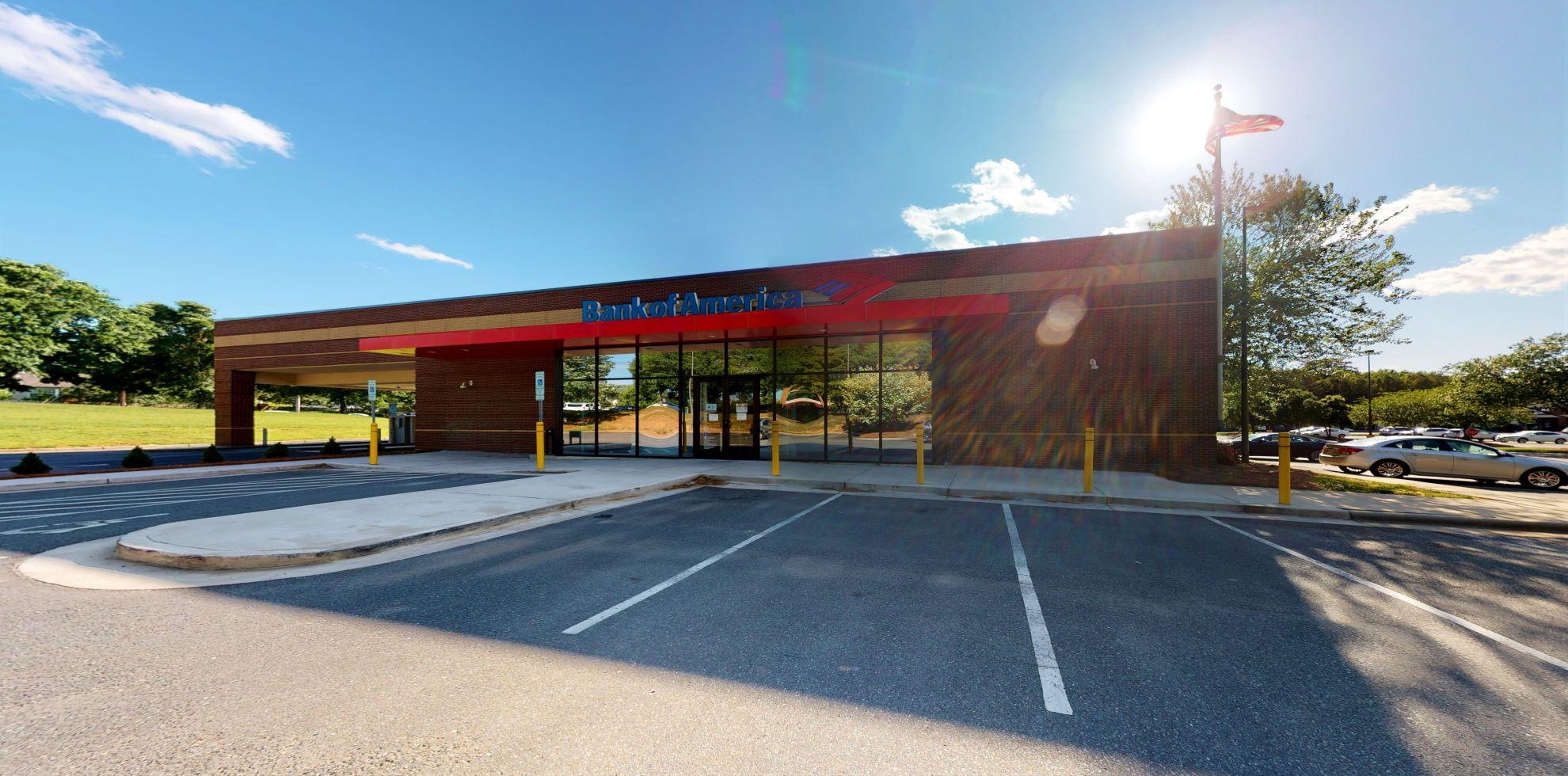 Bank of America financial center with drive-thru ATM | 3220 Weddington Rd, Matthews, NC 28105