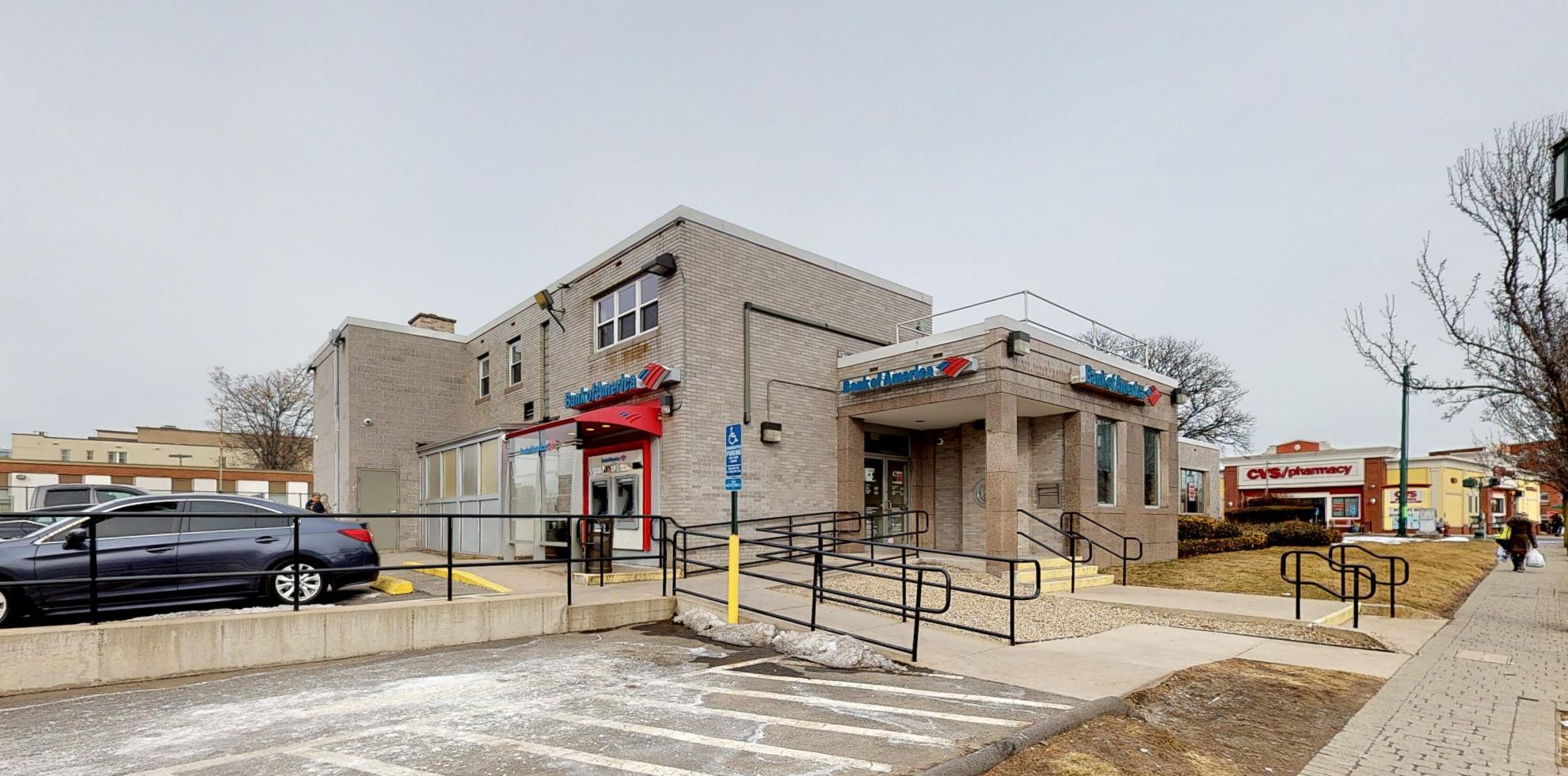 Bank of America financial center with drive-thru ATM | 147 Washington St, Hartford, CT 06106