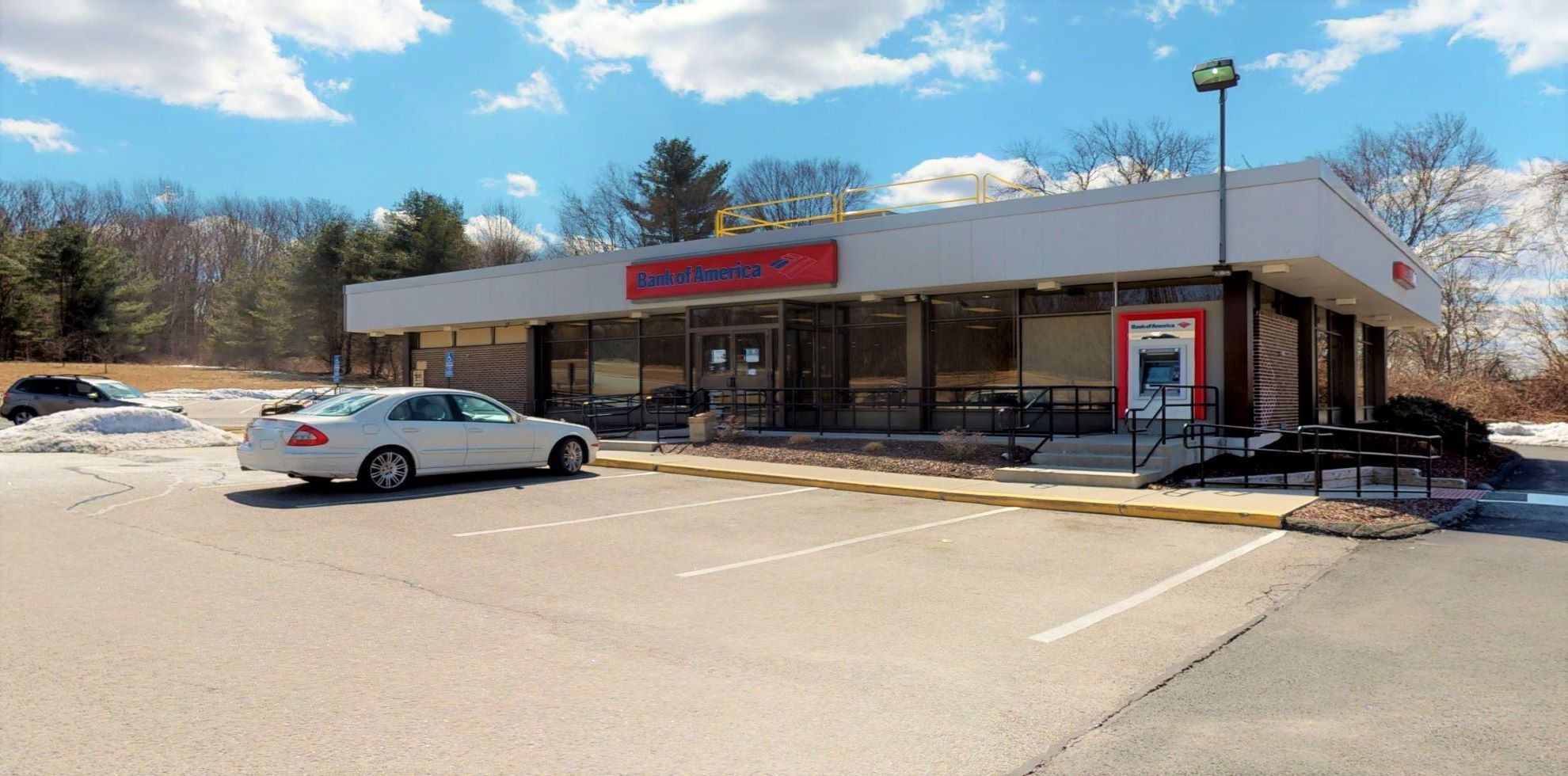 Bank of America financial center with drive-thru ATM | 574 Middle Tpke, Mansfield, CT 06268