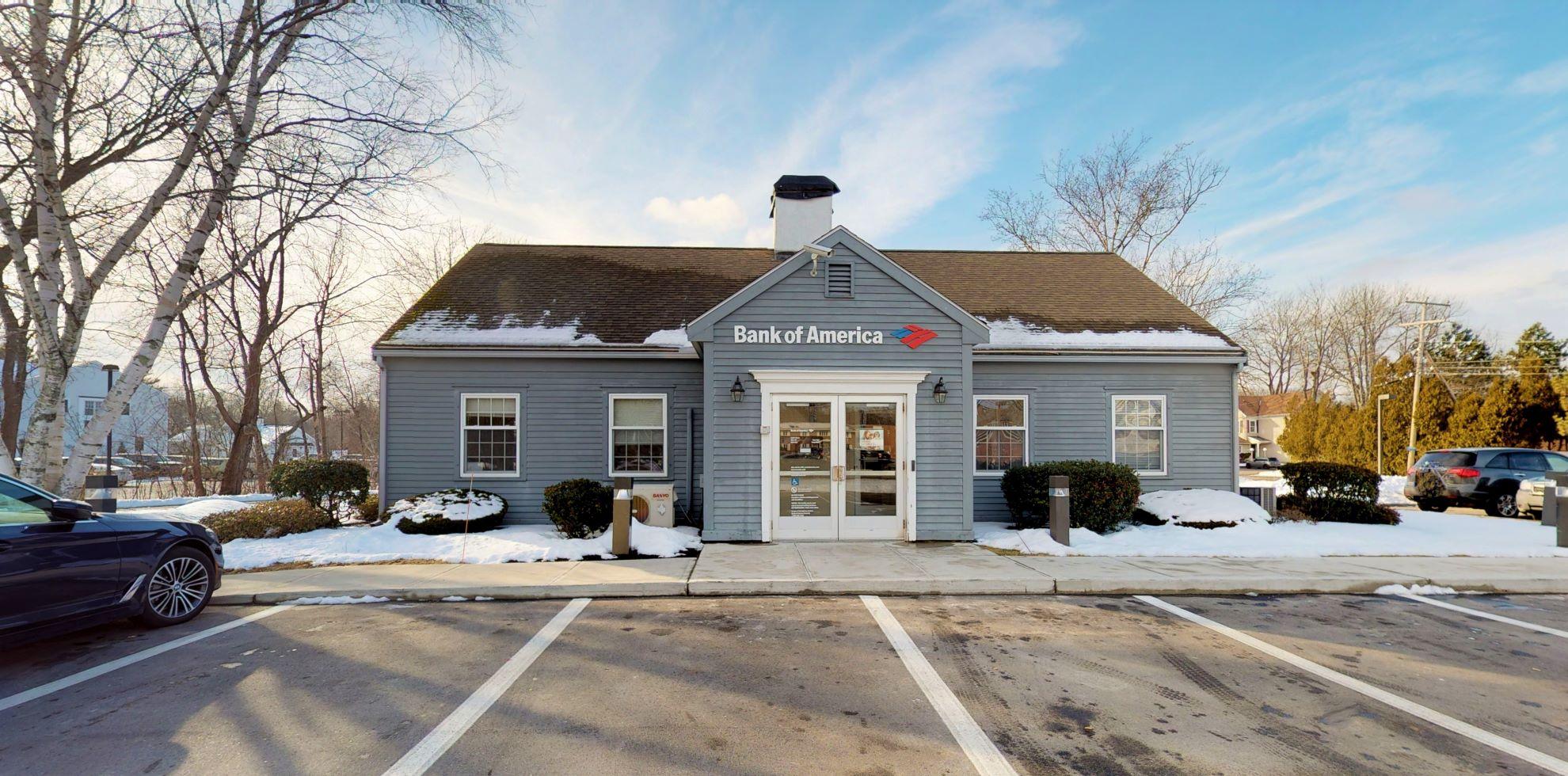 Bank of America financial center with drive-thru ATM   264 Lafayette Rd, Hampton, NH 03842