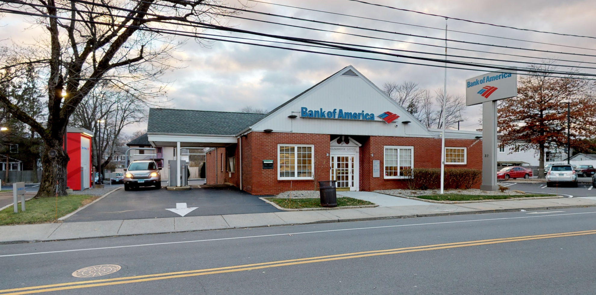 Bank of America financial center with drive-thru ATM   37 Church St, Stamford, CT 06906