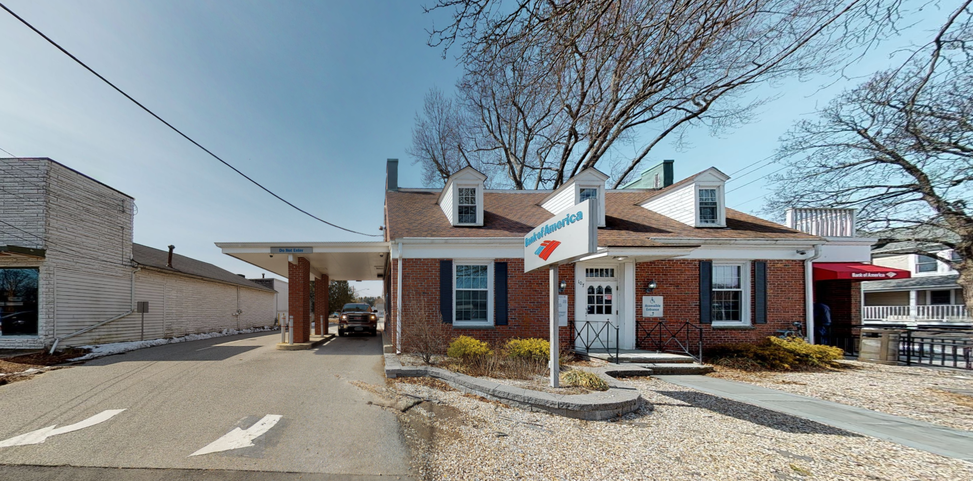 Bank of America financial center with drive-thru ATM and teller | 107 Main St, Old Saybrook, CT 06475