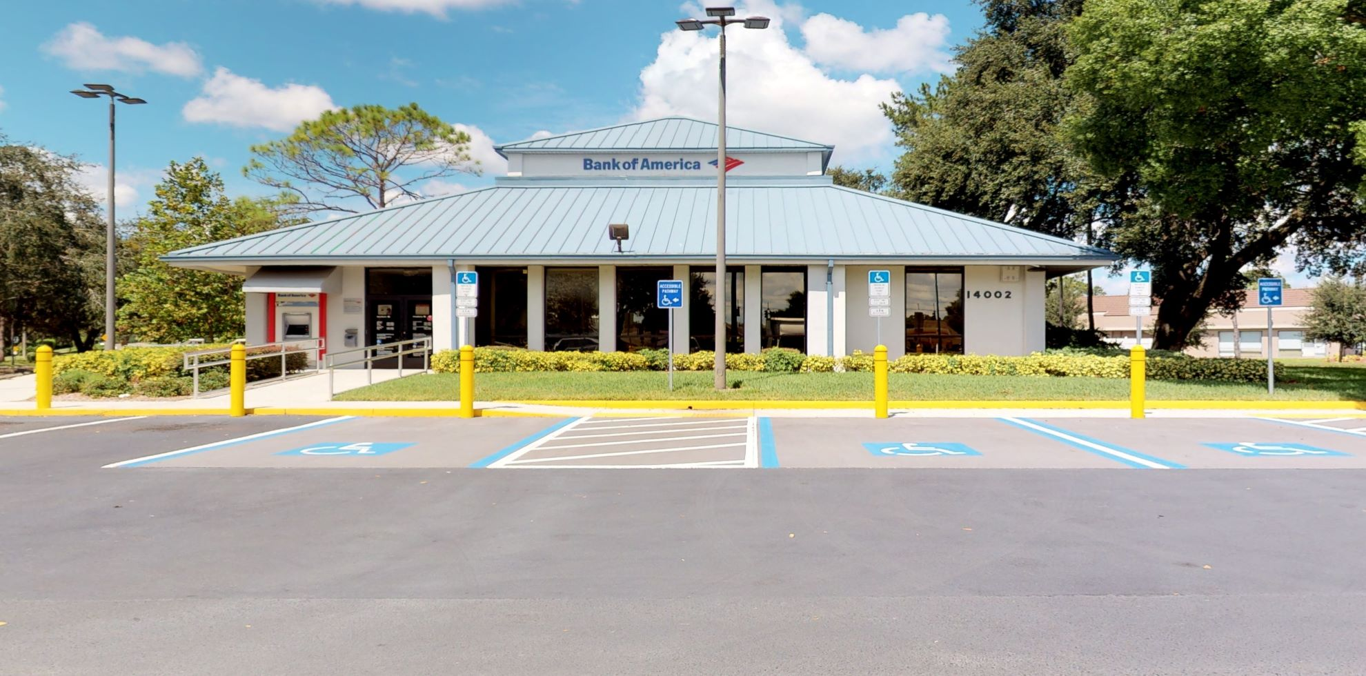 Bank of America financial center with drive-thru ATM | 14002 N Dale Mabry Hwy, Tampa, FL 33618