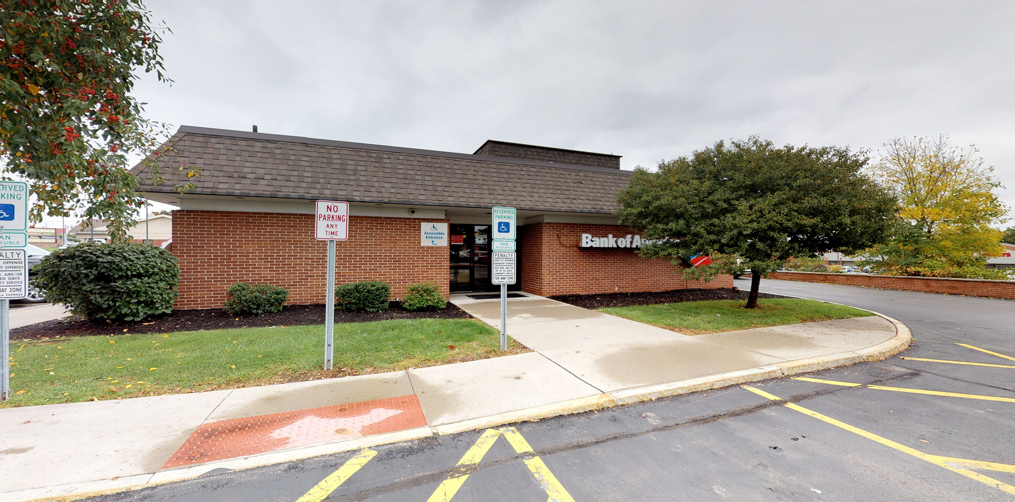 Bank of America financial center with drive-thru ATM   980 Ridge Rd, Webster, NY 14580