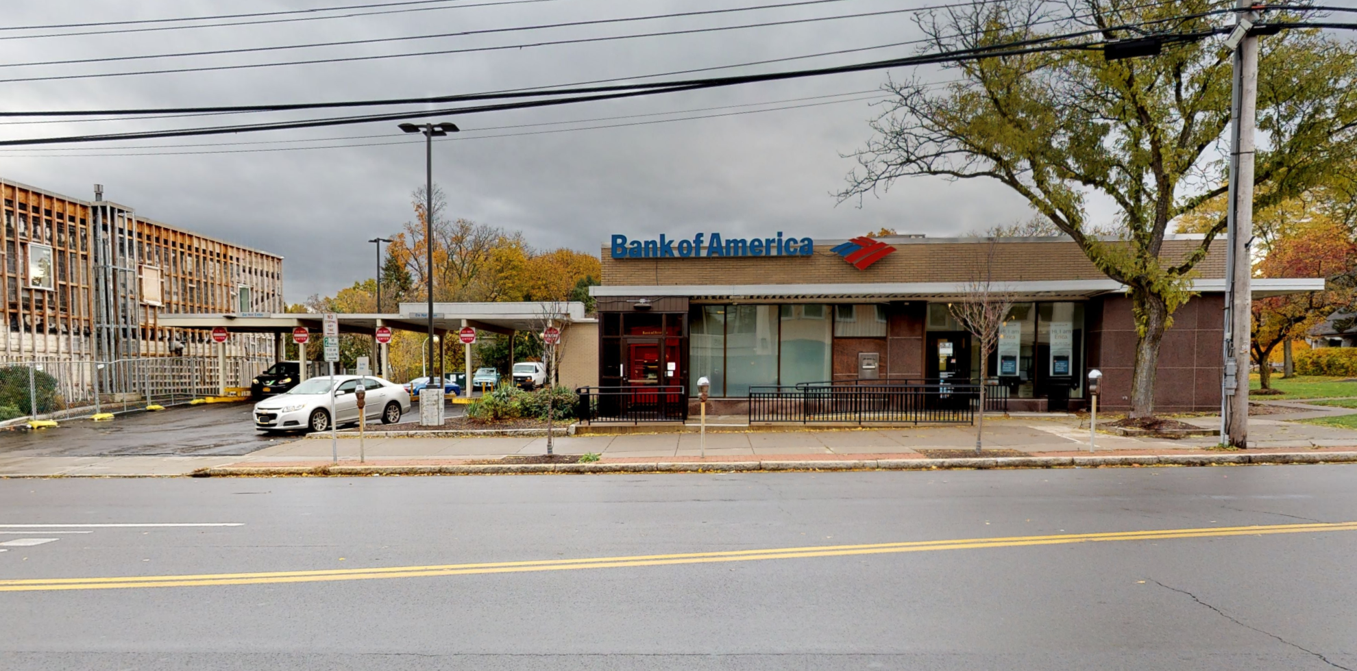 Bank of America financial center with drive-thru ATM | 2334 James St, Syracuse, NY 13206