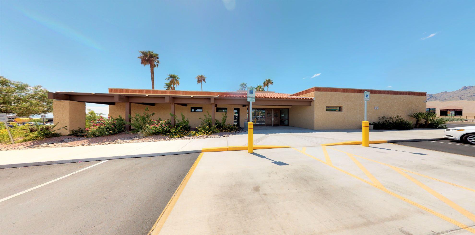 Bank of America financial center with drive-thru ATM | 5610 N Swan Rd, Tucson, AZ 85718