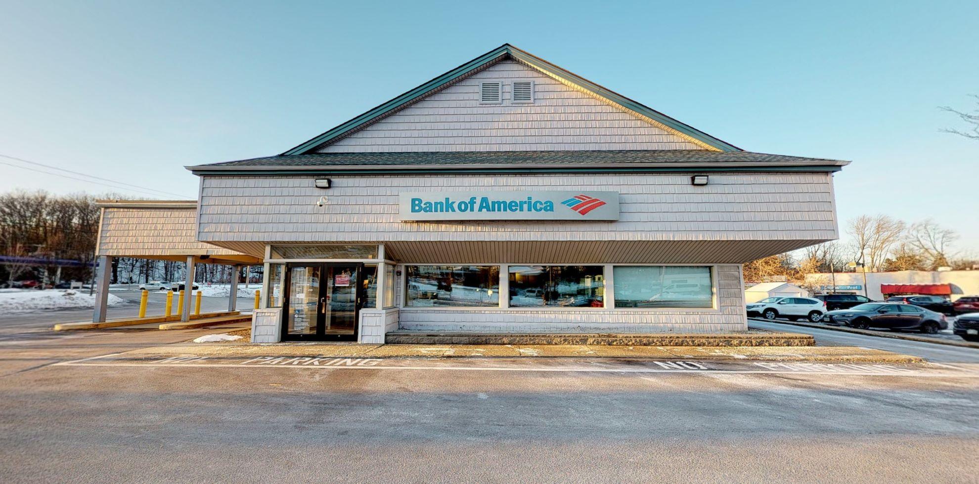 Bank of America financial center with drive-thru ATM   1090 Hooksett Rd, Hooksett, NH 03106