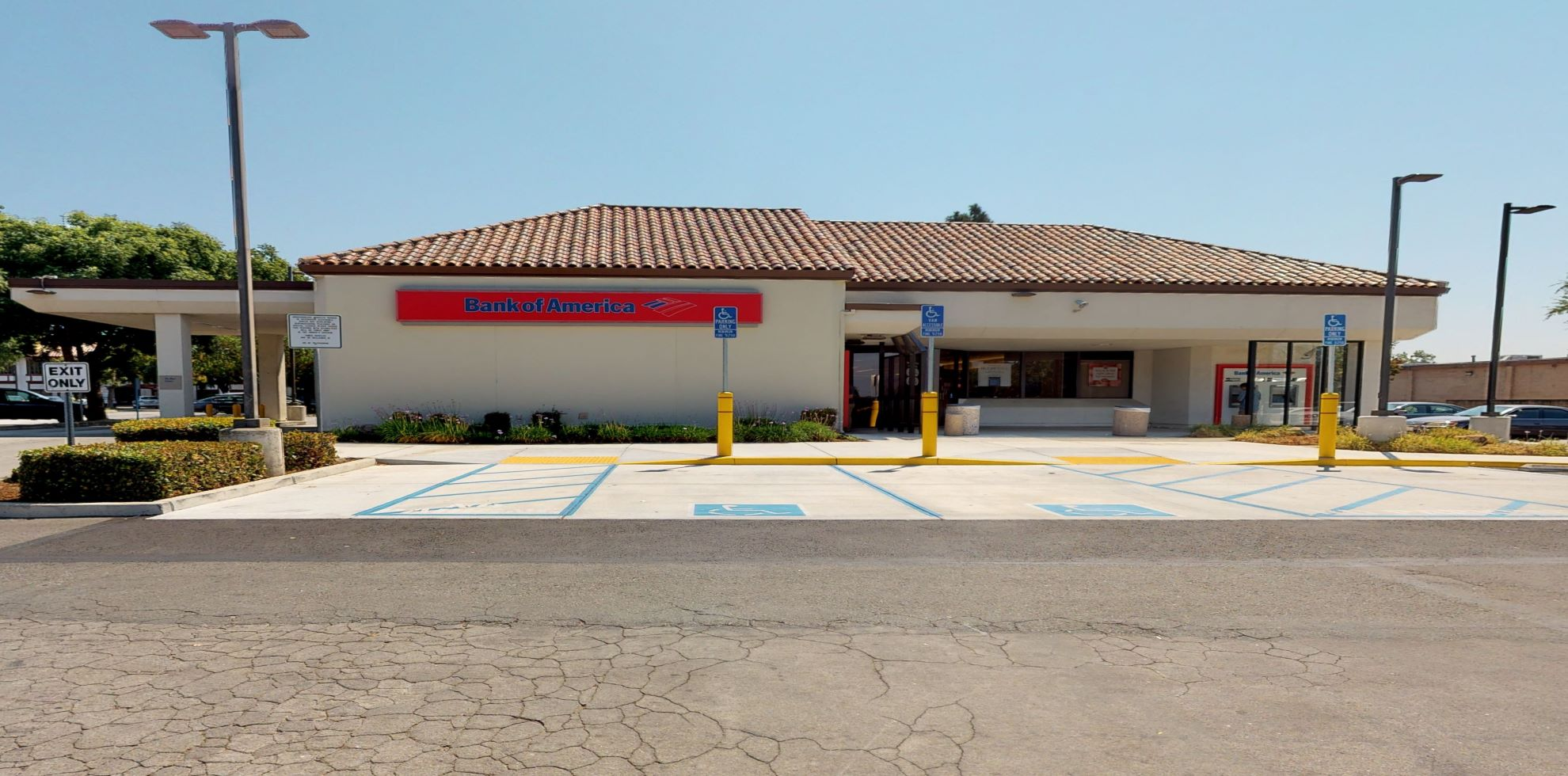 Bank of America financial center with drive-thru ATM | 2650 Berryessa Rd, San Jose, CA 95132