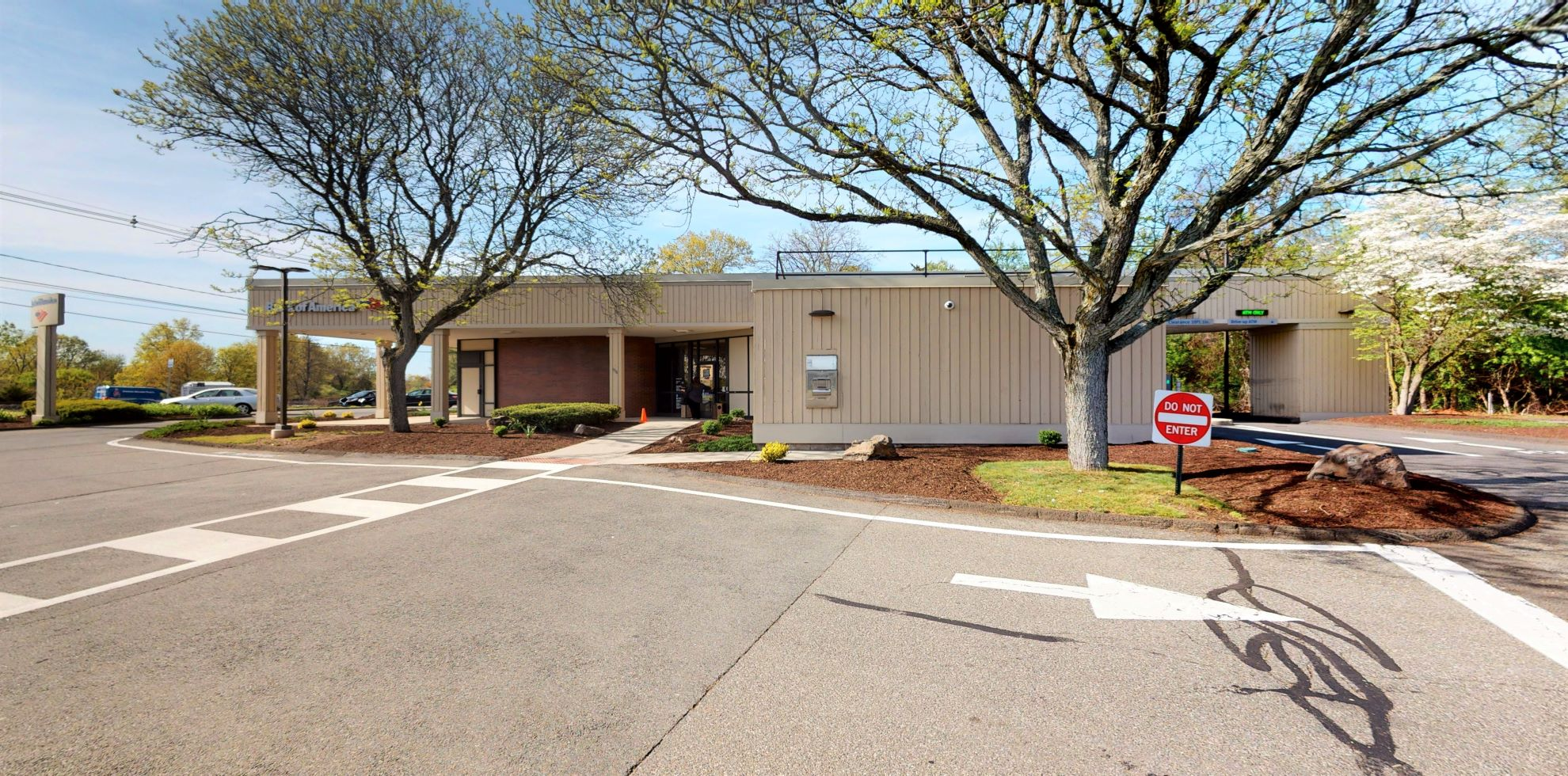 Bank of America financial center with drive-thru ATM   938 N Colony Rd, Wallingford, CT 06492