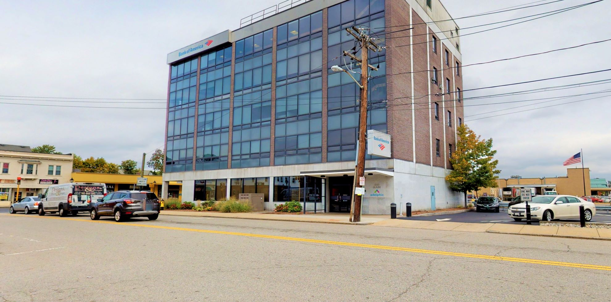 Bank of America financial center with drive-thru ATM | 880 Main St, Waltham, MA 02451