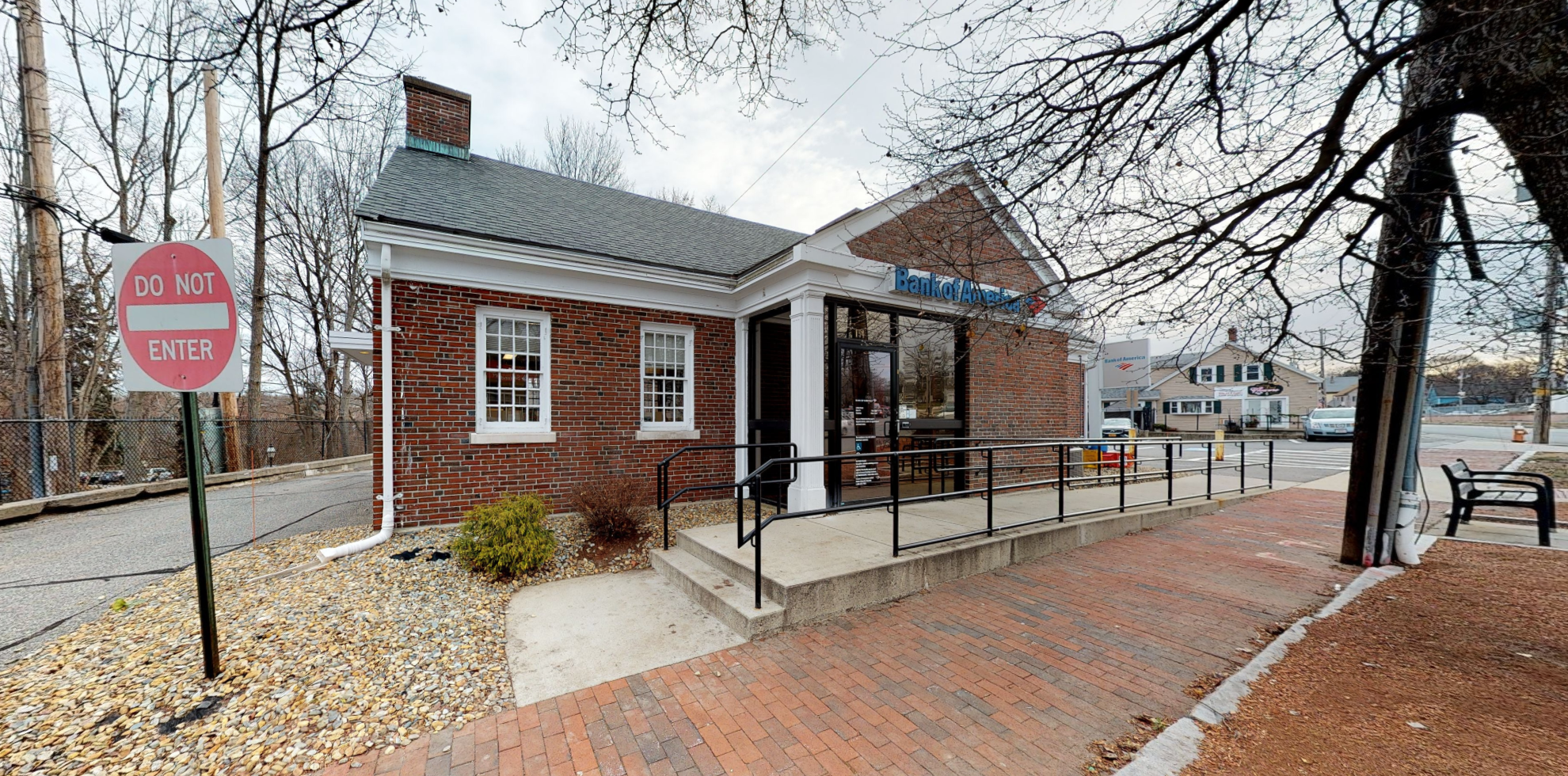 Bank of America financial center with walk-up ATM   154 Main St, North Andover, MA 01845