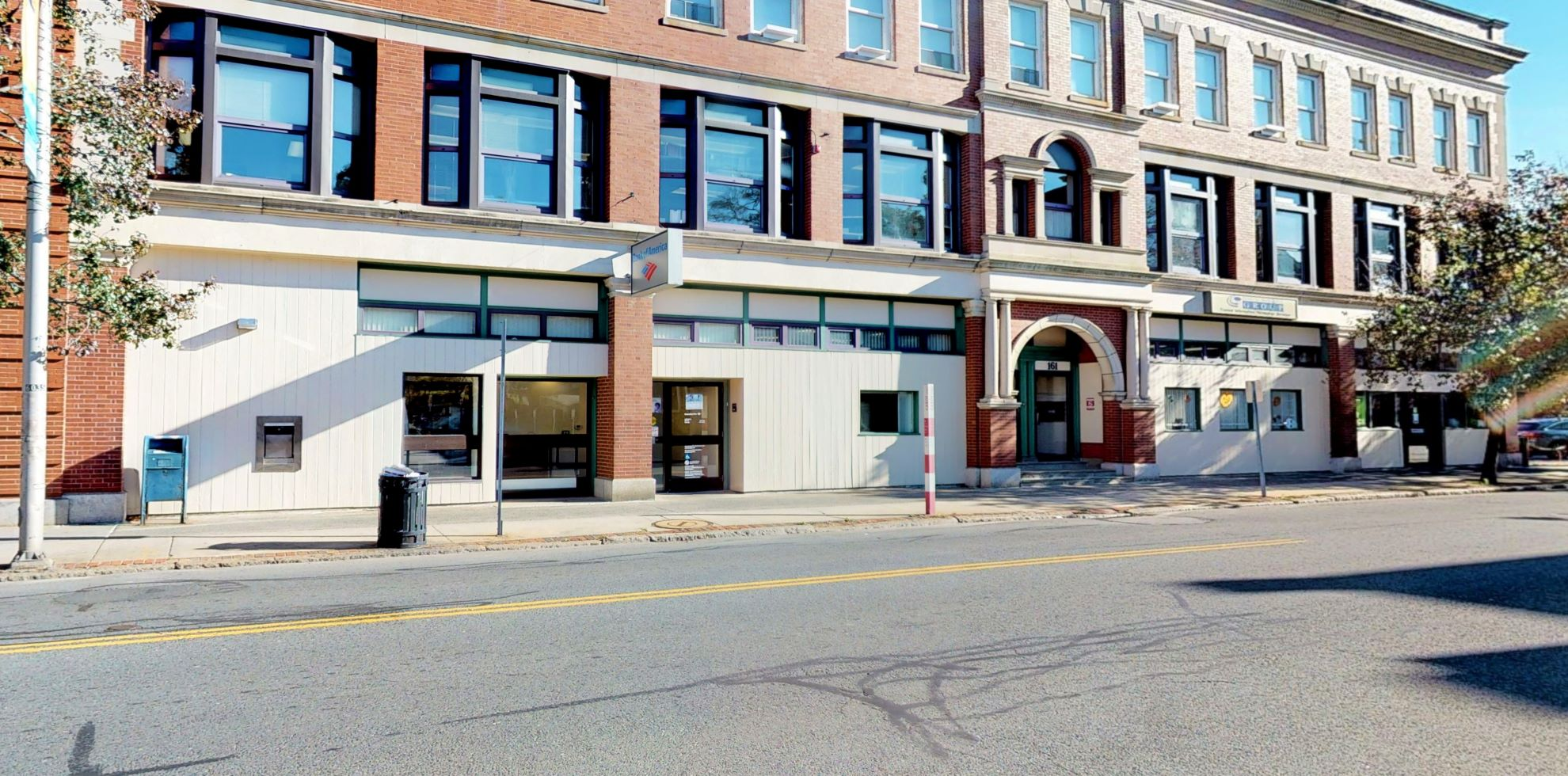 Bank of America financial center with walk-up ATM | 165 Cabot St, Beverly, MA 01915