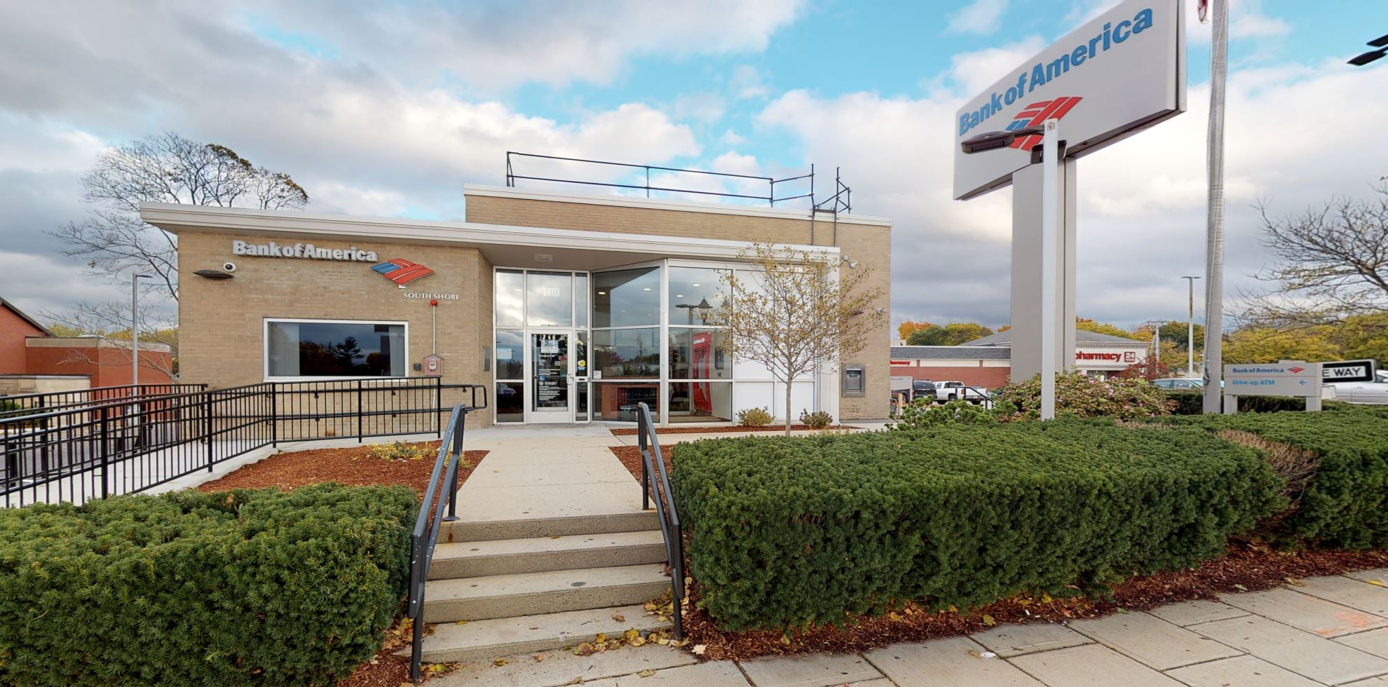 Bank of America financial center with drive-thru ATM | 173 N Main St, Randolph, MA 02368