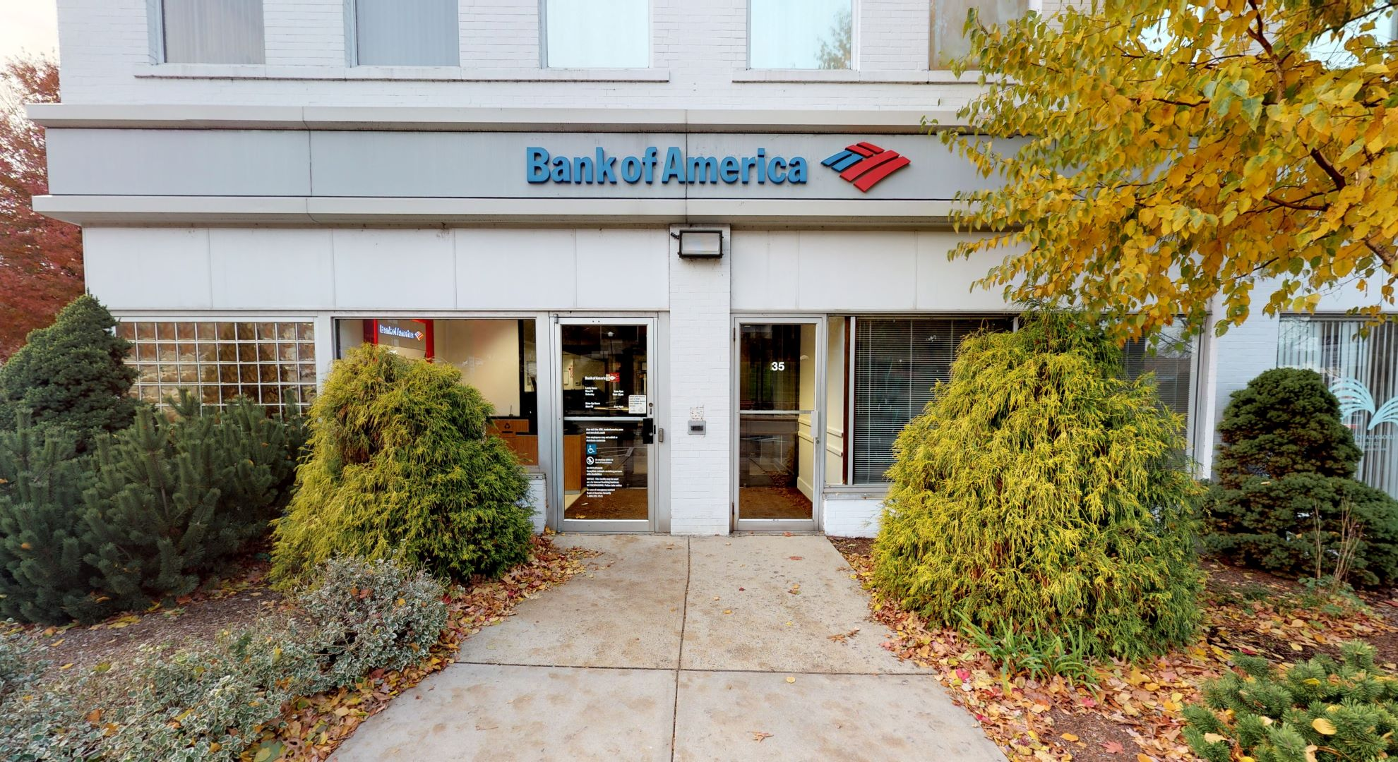 Bank of America financial center with walk-up ATM   35 Washington St, Wellesley, MA 02481