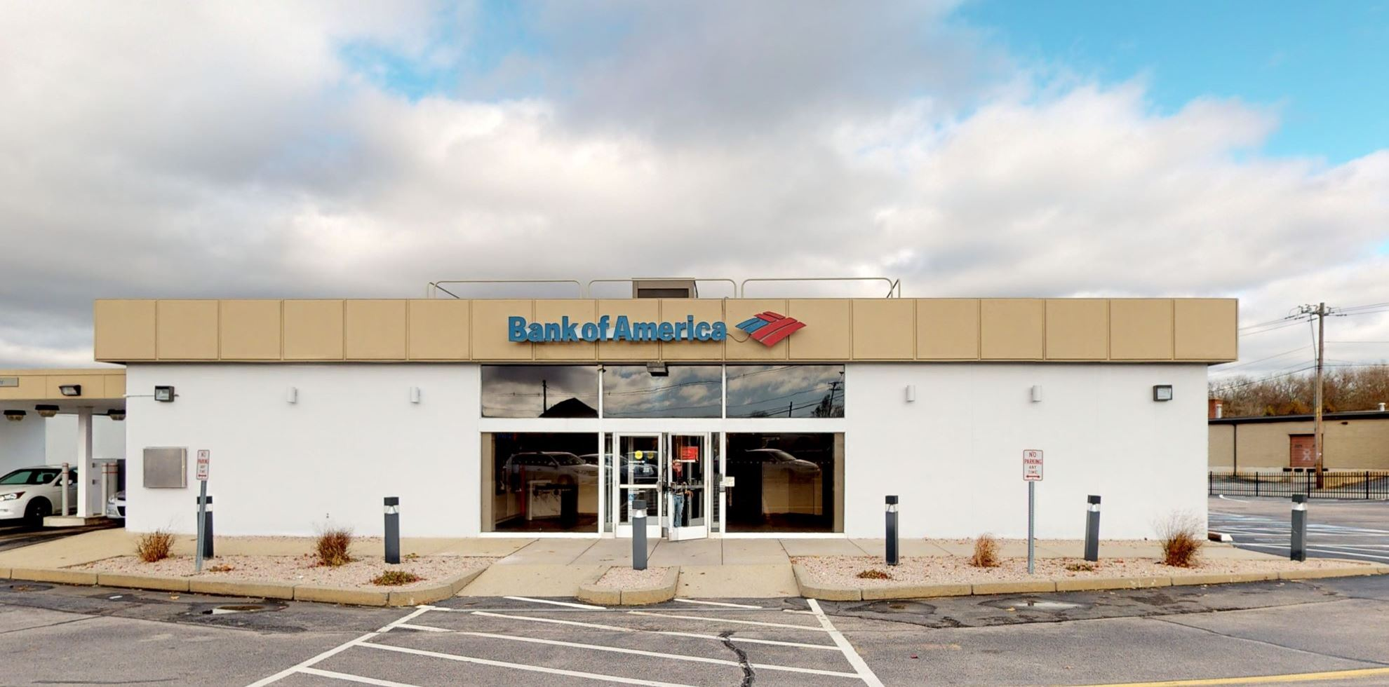 Bank of America financial center with drive-thru ATM | 4 Old Tower Hill Rd, Wakefield, RI 02879