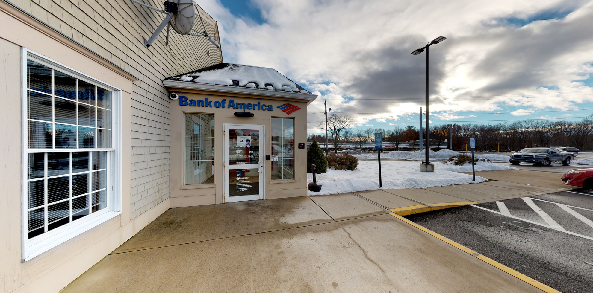 Bank of America financial center with drive-thru ATM and teller   431 N Main St, East Longmeadow, MA 01028