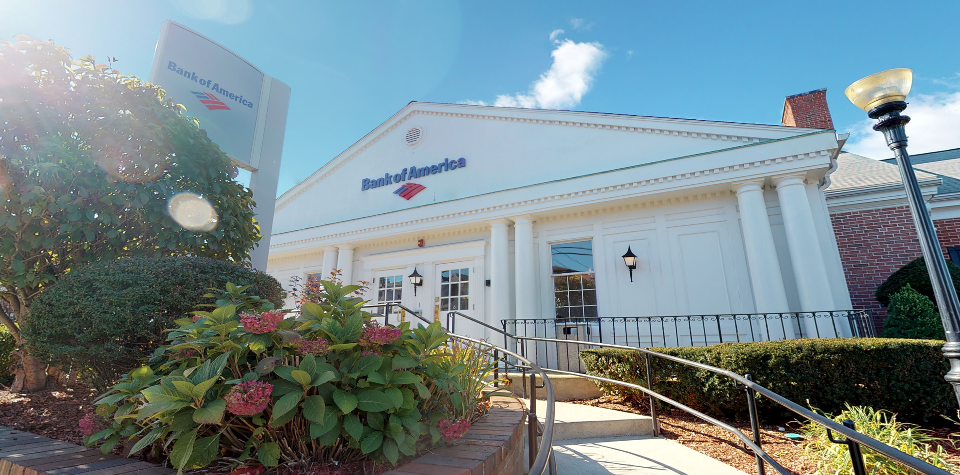 Bank of America financial center with walk-up ATM   25 Bartlett Rd, Winthrop, MA 02152
