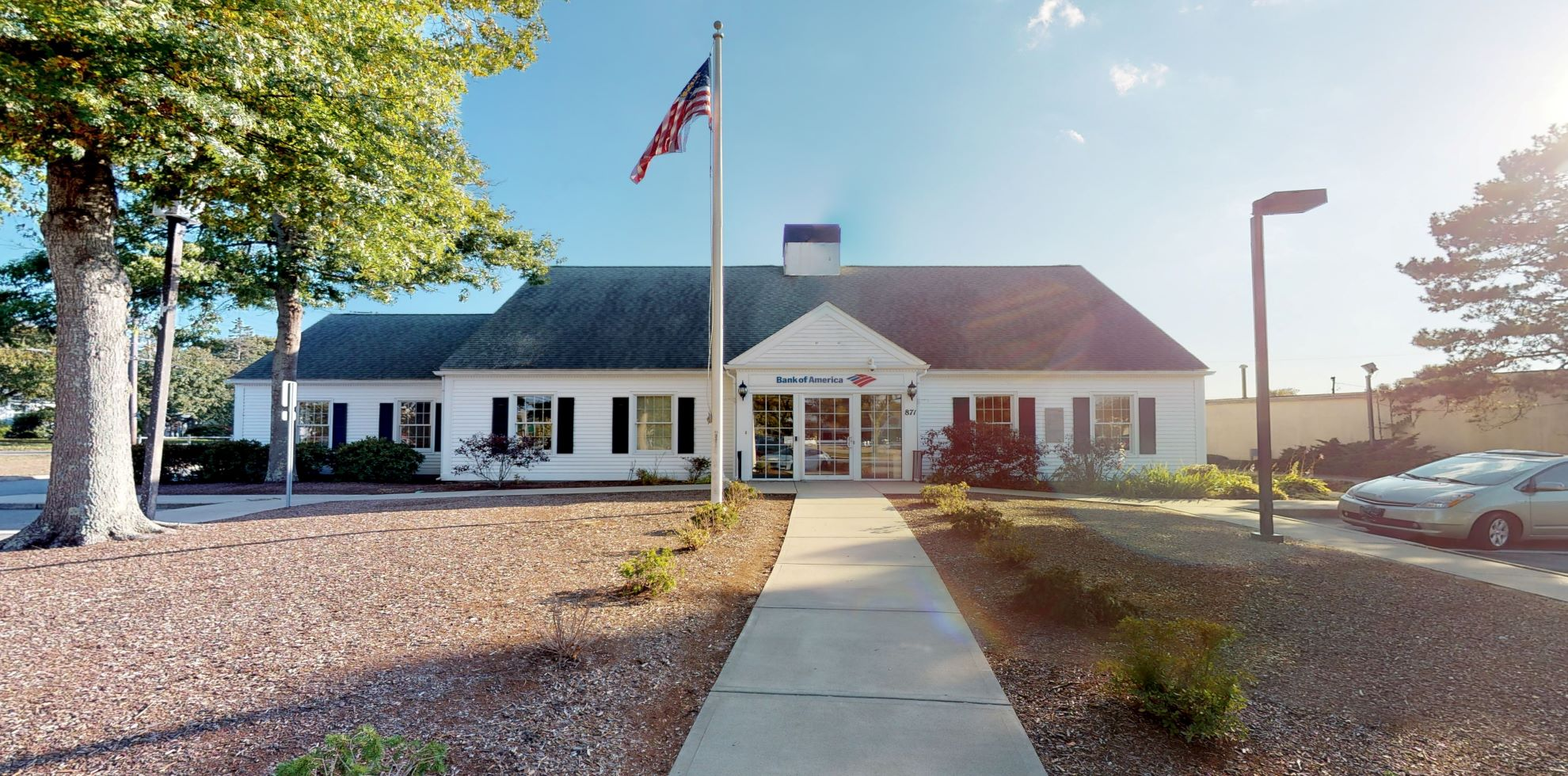 Bank of America financial center with drive-thru ATM and teller | 871 E Main St, Falmouth, MA 02540