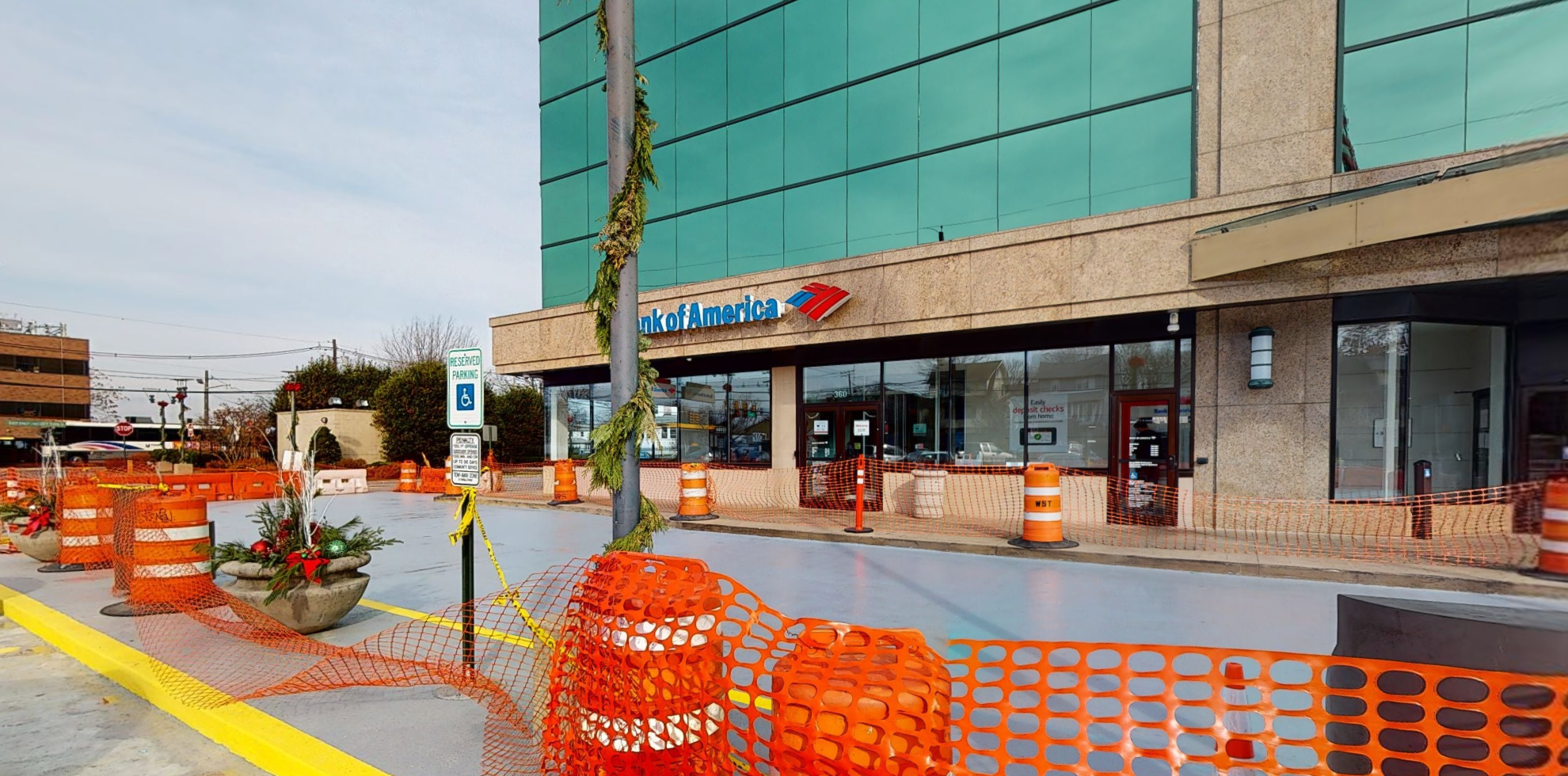 Bank of America financial center with drive-thru ATM | 360 Essex St, Hackensack, NJ 07601