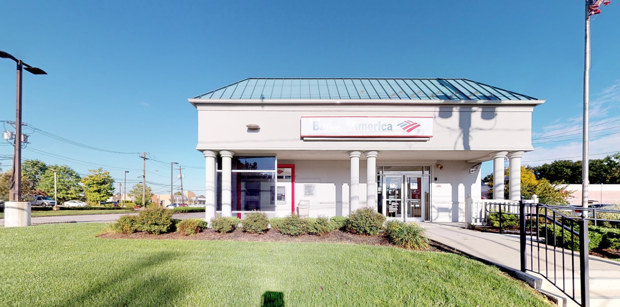 Bank of America financial center with drive-thru ATM   1050 Raritan Rd, Clark, NJ 07066