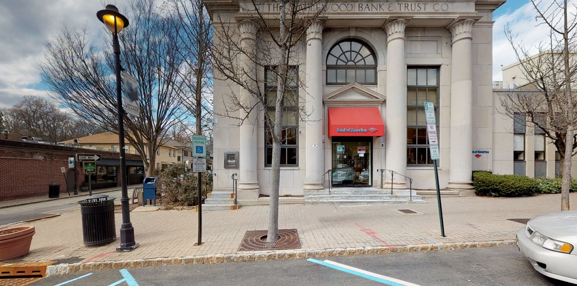 Bank of America financial center with drive-thru ATM | 161 Maplewood Ave, Maplewood, NJ 07040