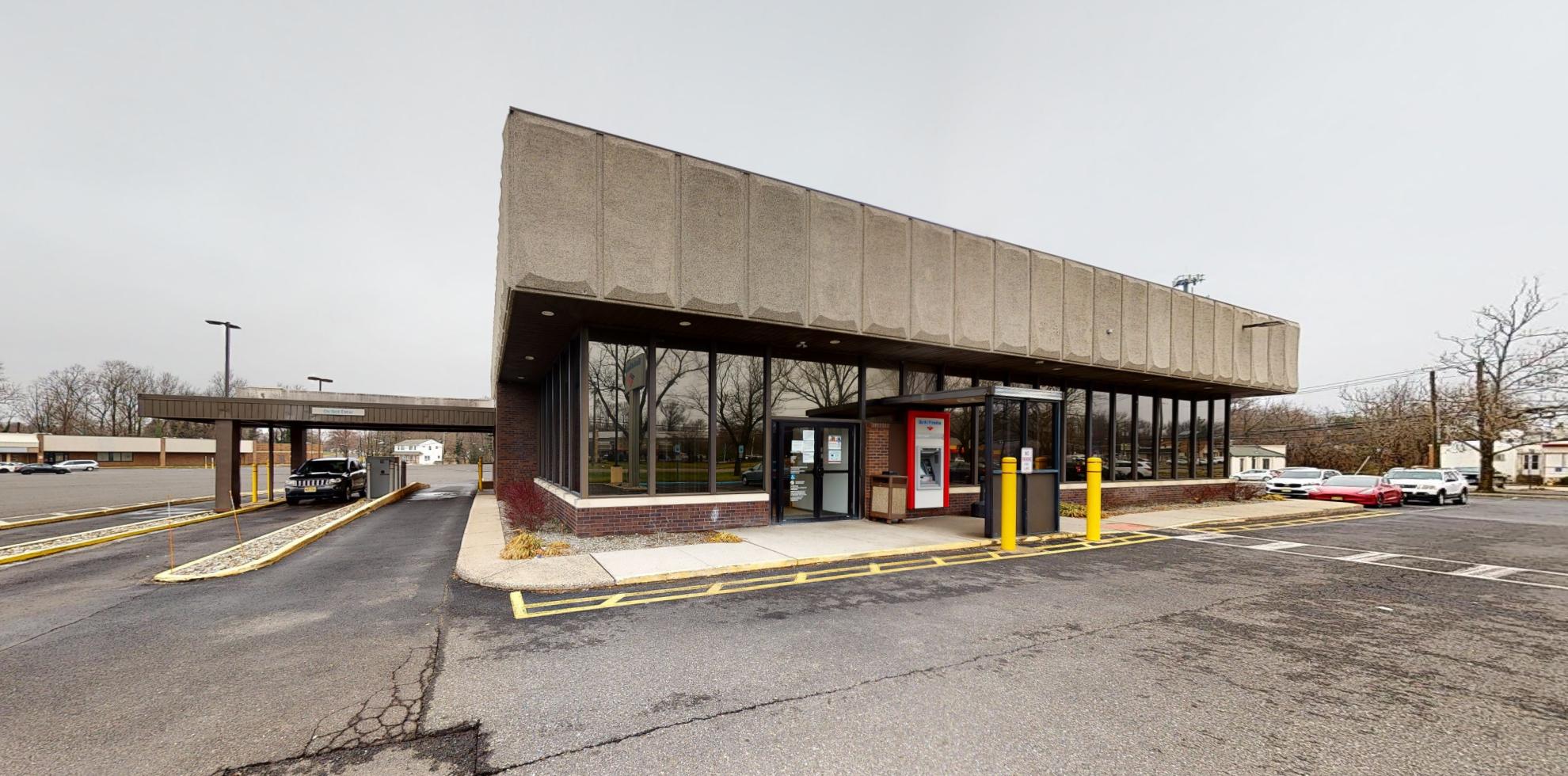 Bank of America financial center with drive-thru ATM | 875 Mantua Pike, Woodbury, NJ 08096