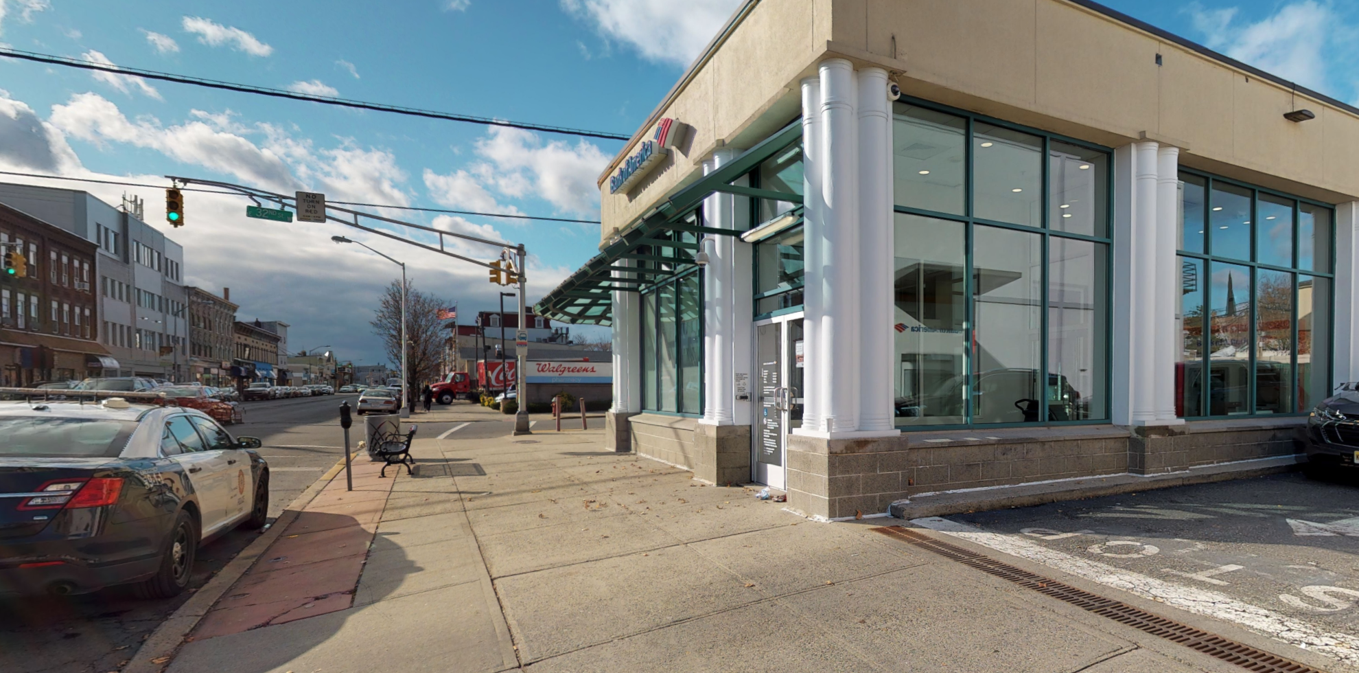 Bank of America financial center with drive-thru ATM | 701 Broadway, Bayonne, NJ 07002