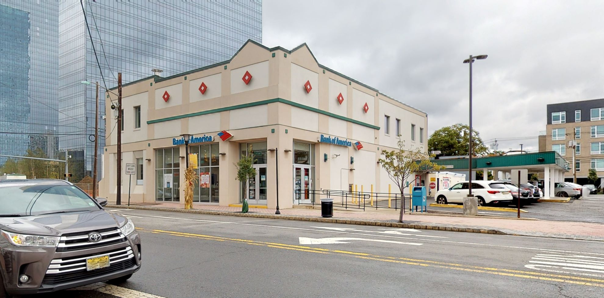 Bank of America financial center with drive-thru ATM | 154 Main St, Fort Lee, NJ 07024