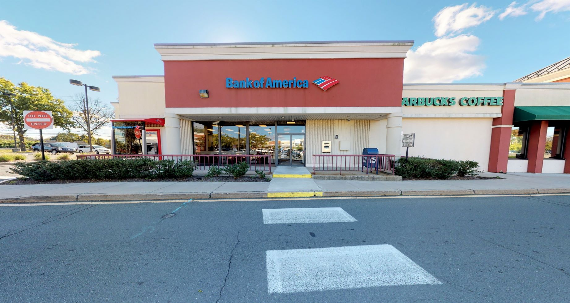 Bank of America financial center with drive-thru ATM | 3371 US Highway 1, Lawrenceville, NJ 08648