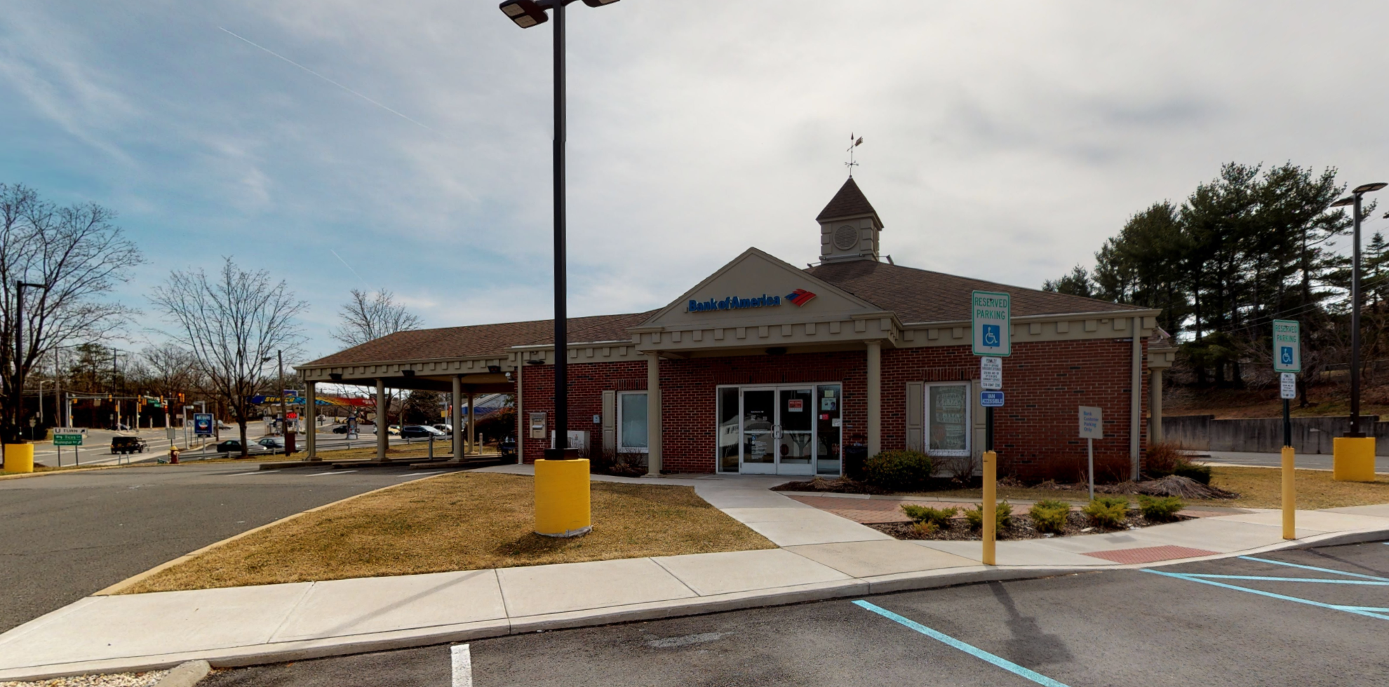 Bank of America financial center with drive-thru ATM | 100 Ryders Ln, Milltown, NJ 08850